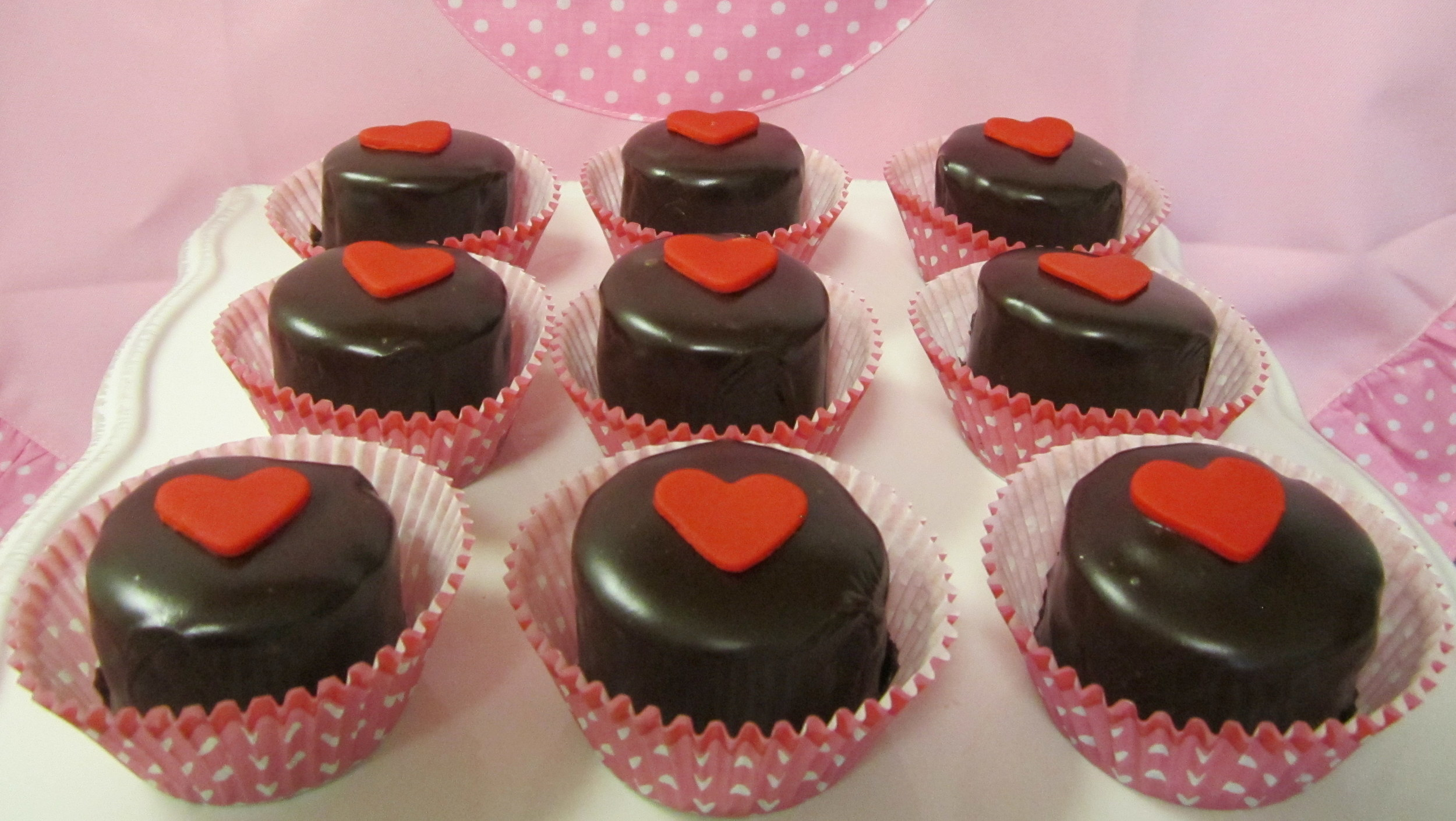 petit fours- hearts val day.jpg