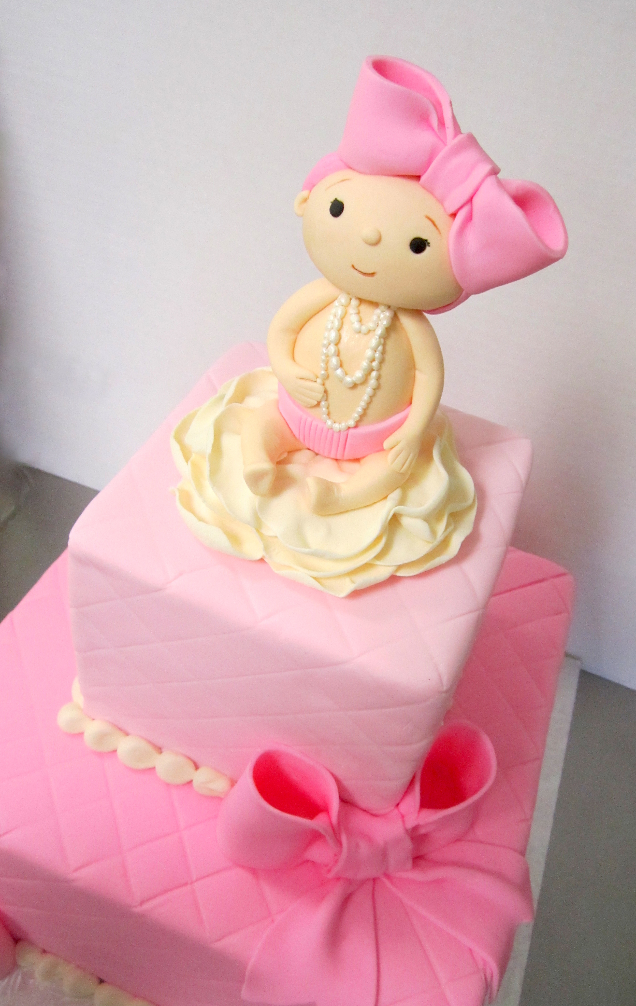 baby shower quilted pink with bows and baby with pearls.jpg