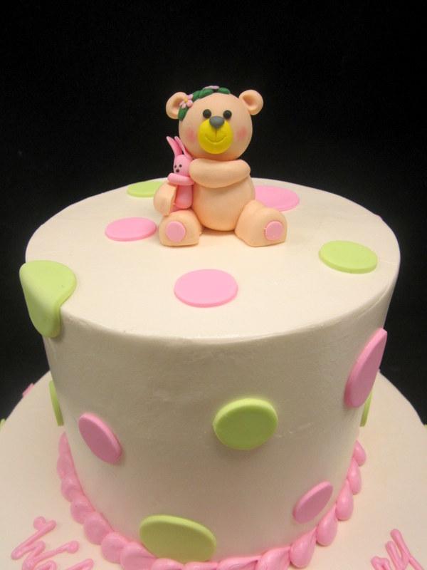 baby girl bear with fondant dots.JPG