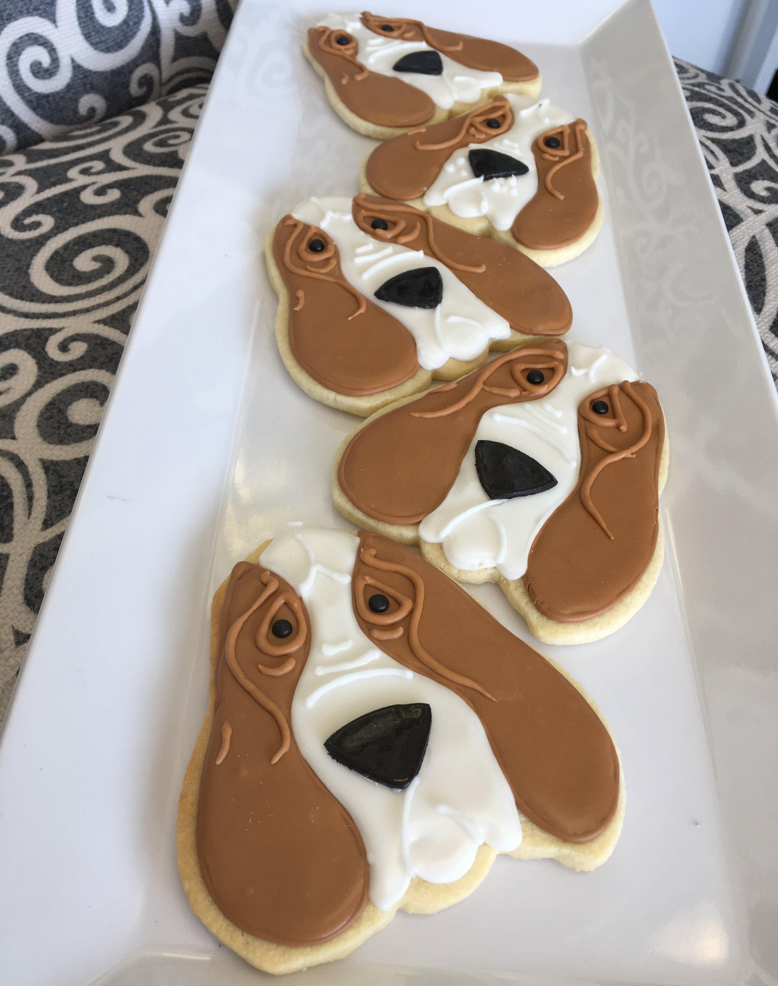 sugar cookies -hound dog.JPG