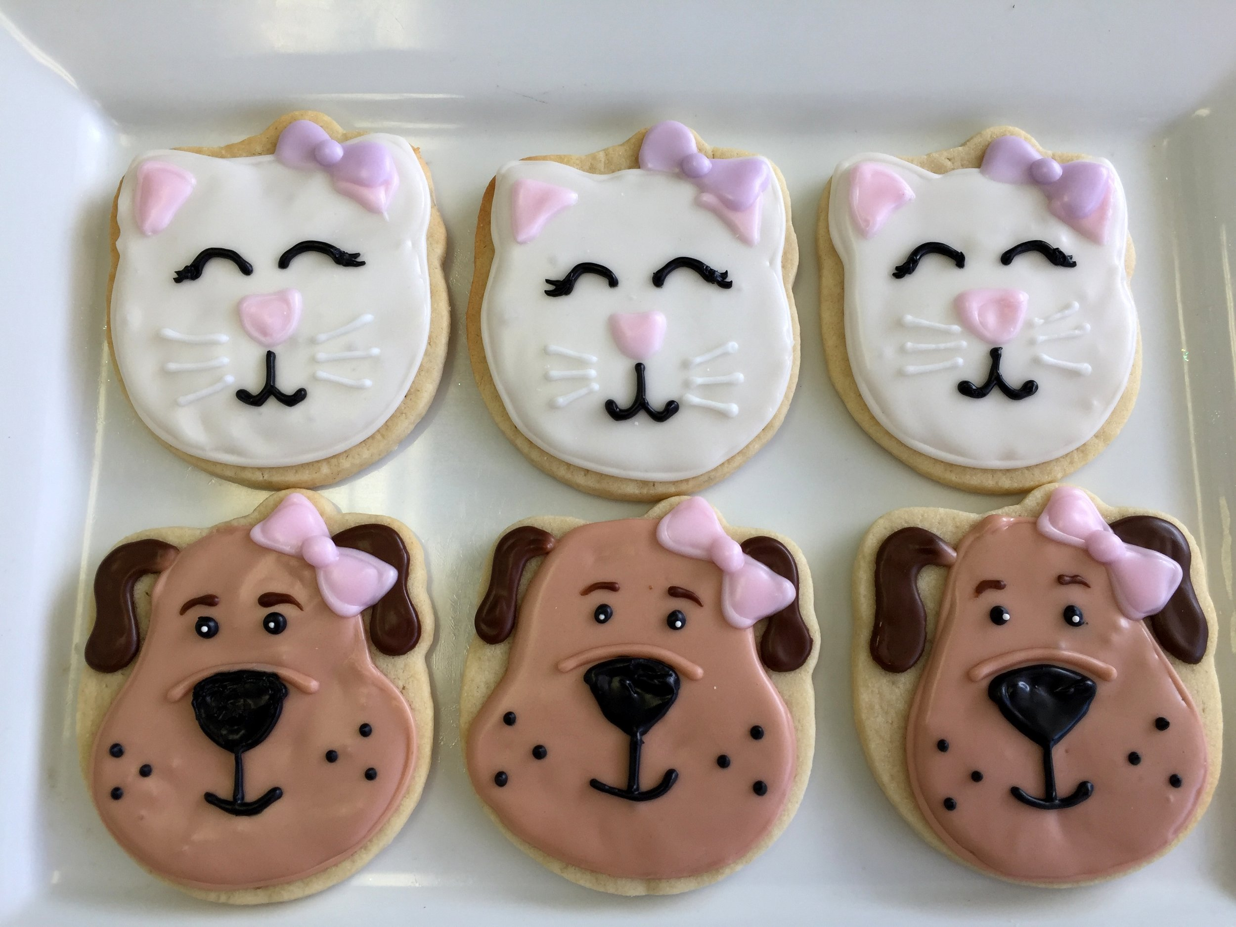 sugar cookies -dogs and cats.JPG