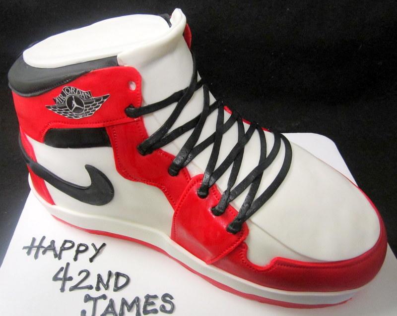 nike shoe red and white.JPG
