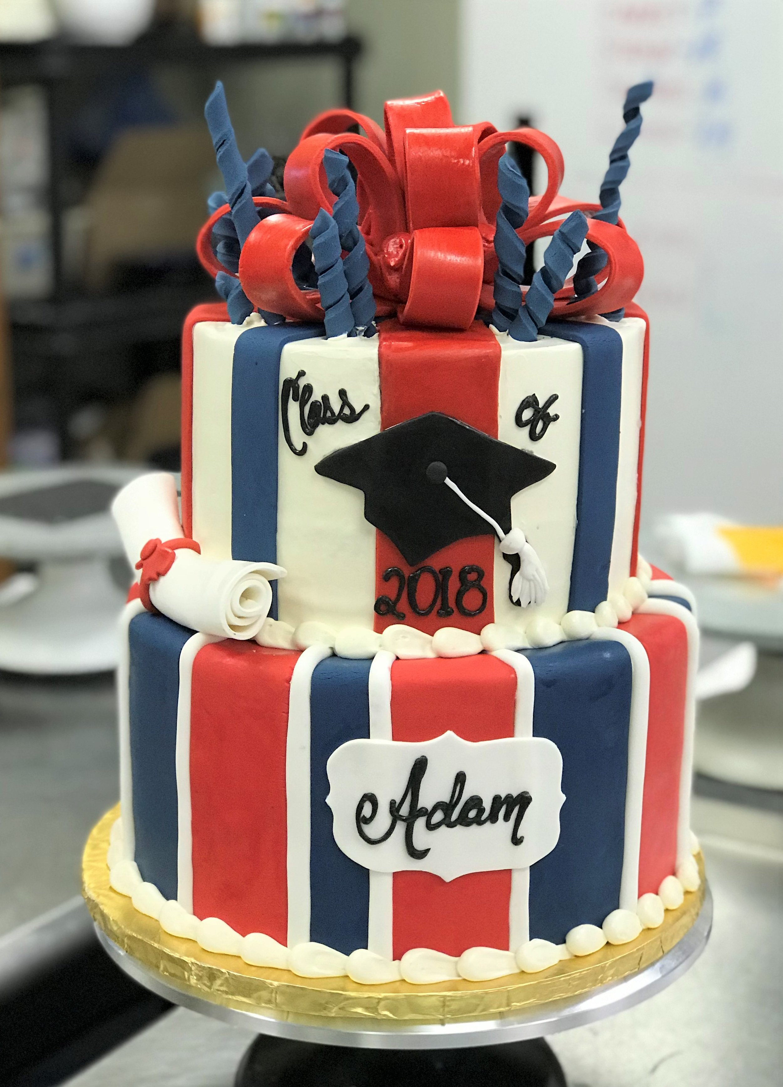 parkway grad cake red and blue.jpg