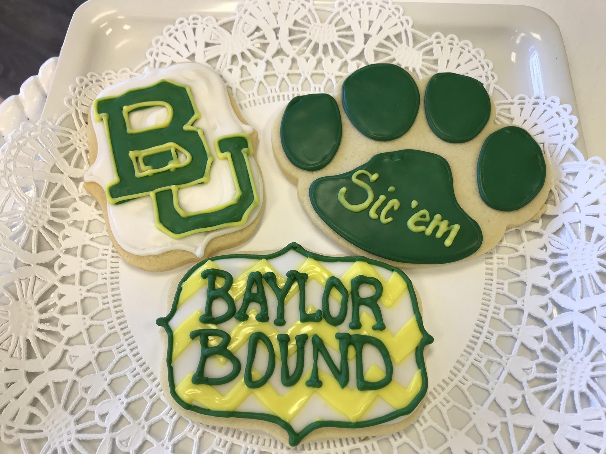 baylor univ grad cookies.jpg