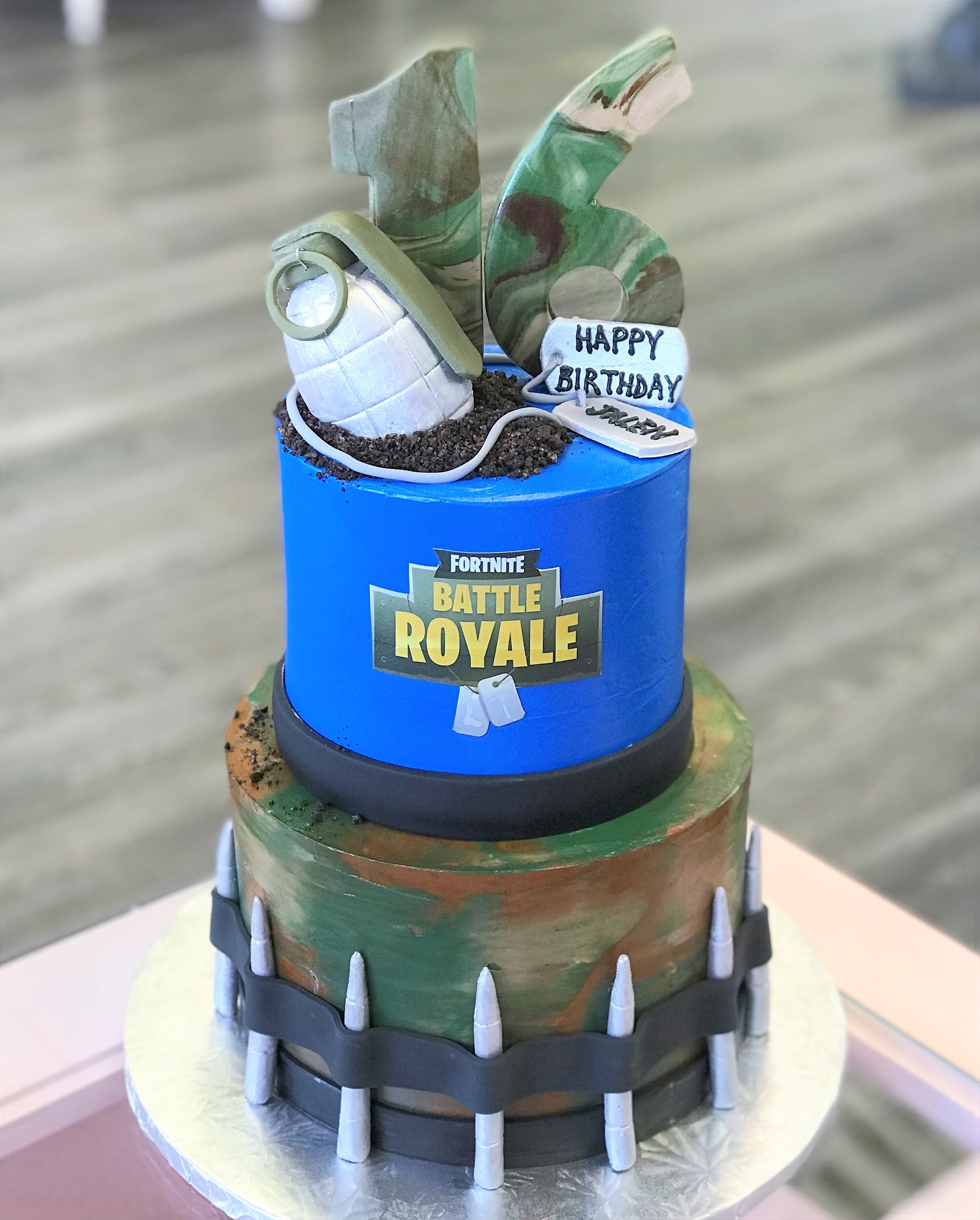 fortnite cake.jpeg