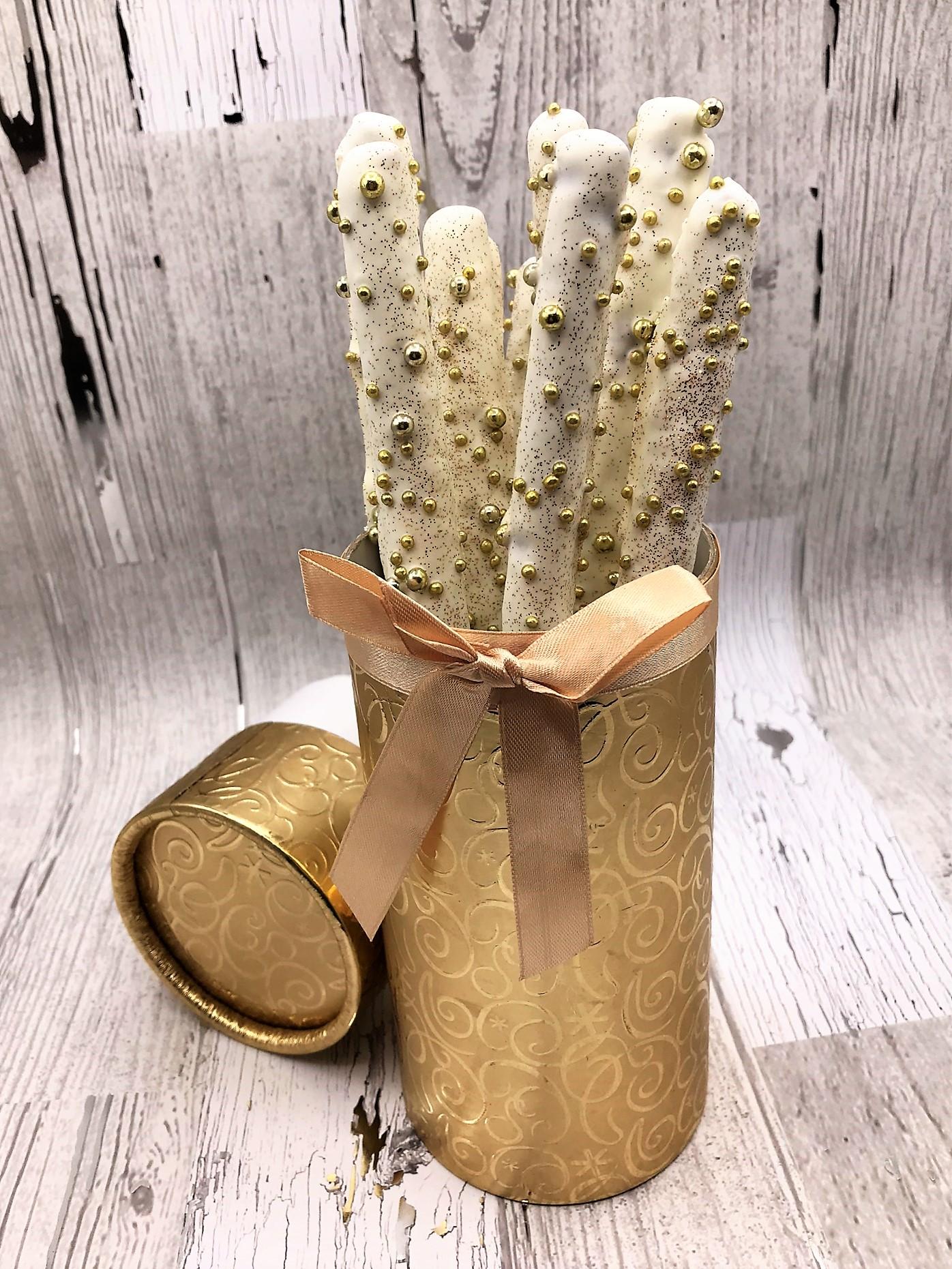 pretzel christmas gift box.jpeg