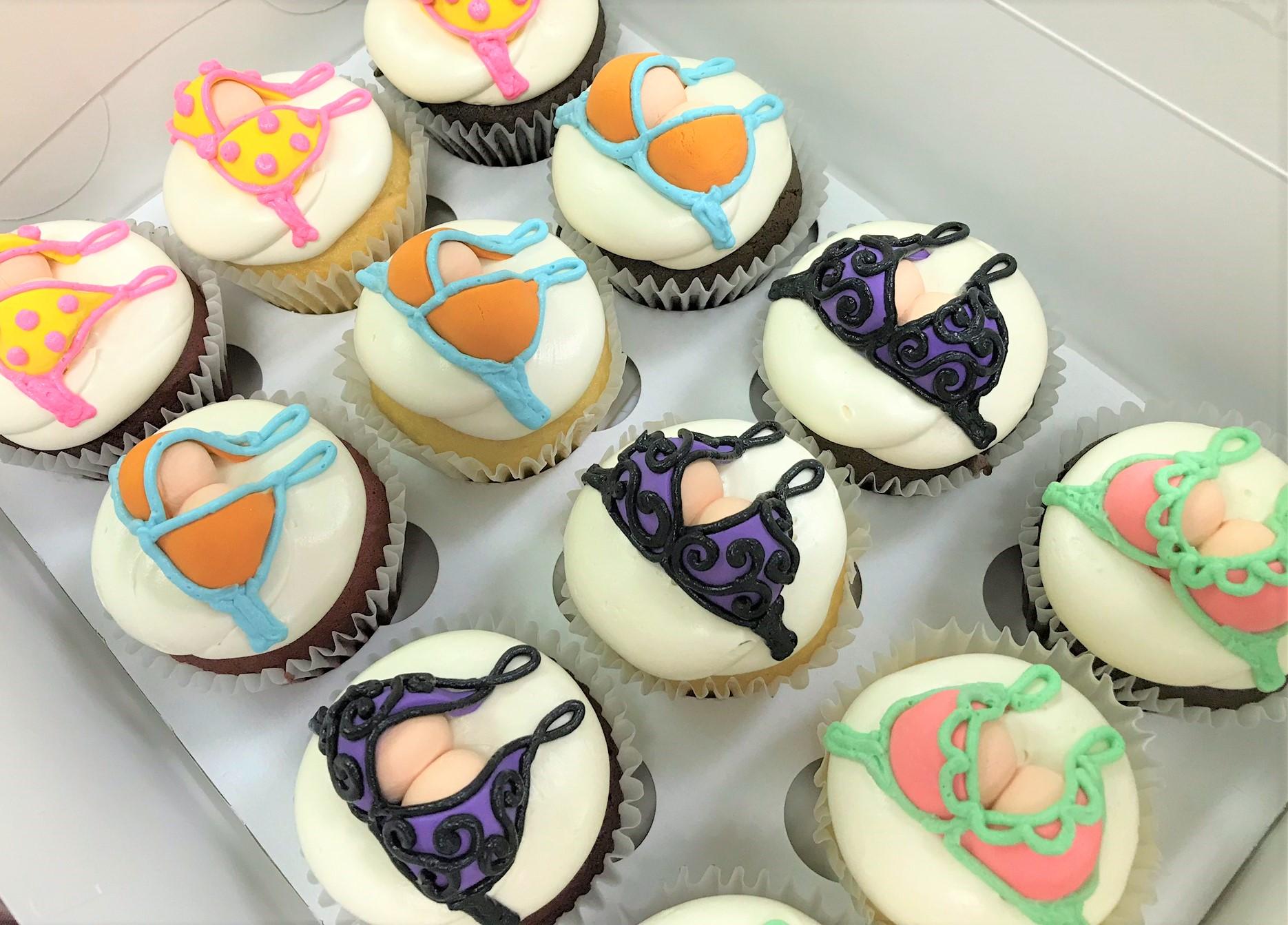 bikini top cupcakes.jpeg