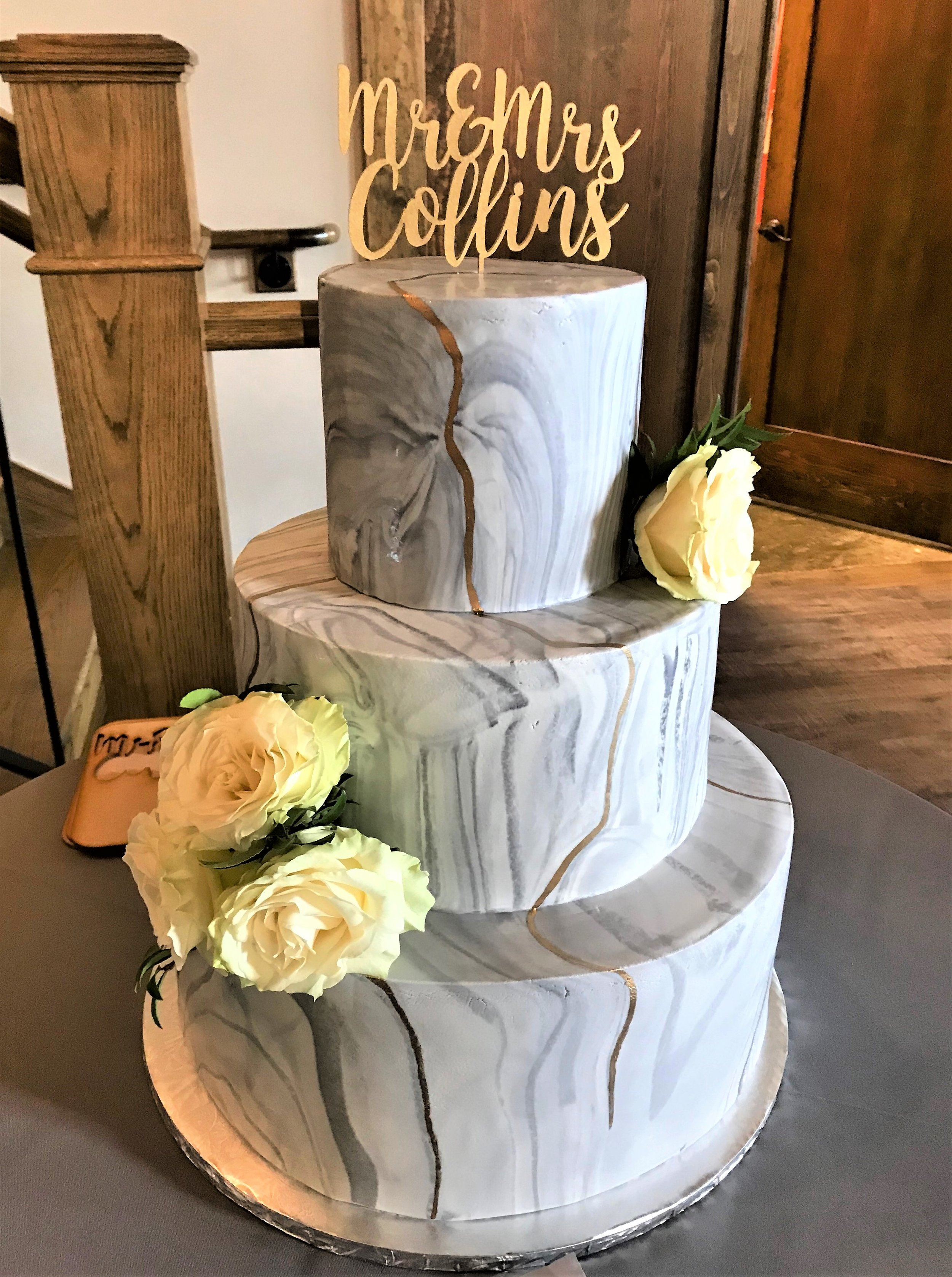 wedding- gray marbled fondant.jpg