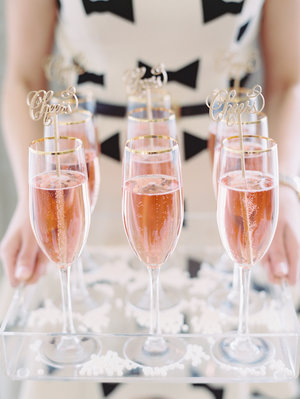 welcome-drinks-pink-champagne