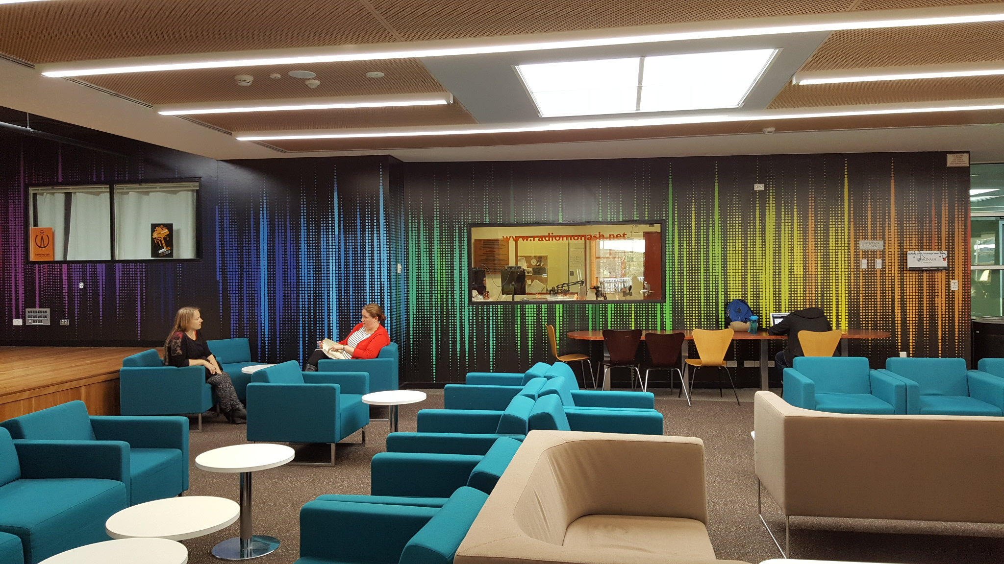 MONASH UNIVERSITY AIRPORT LOUNGE