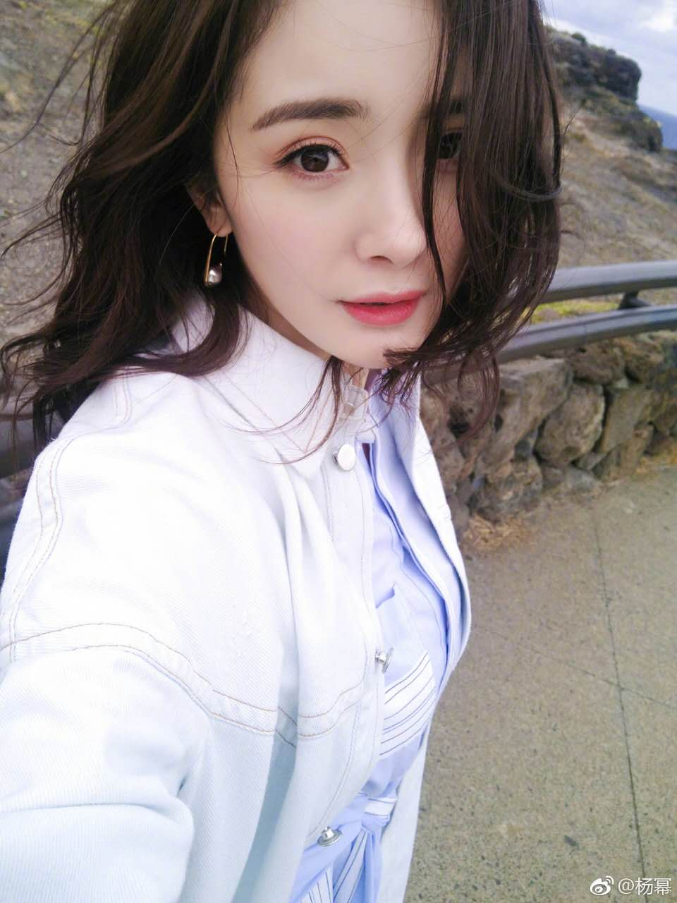 Yang Mi wearing the Hook and Ball Earring
