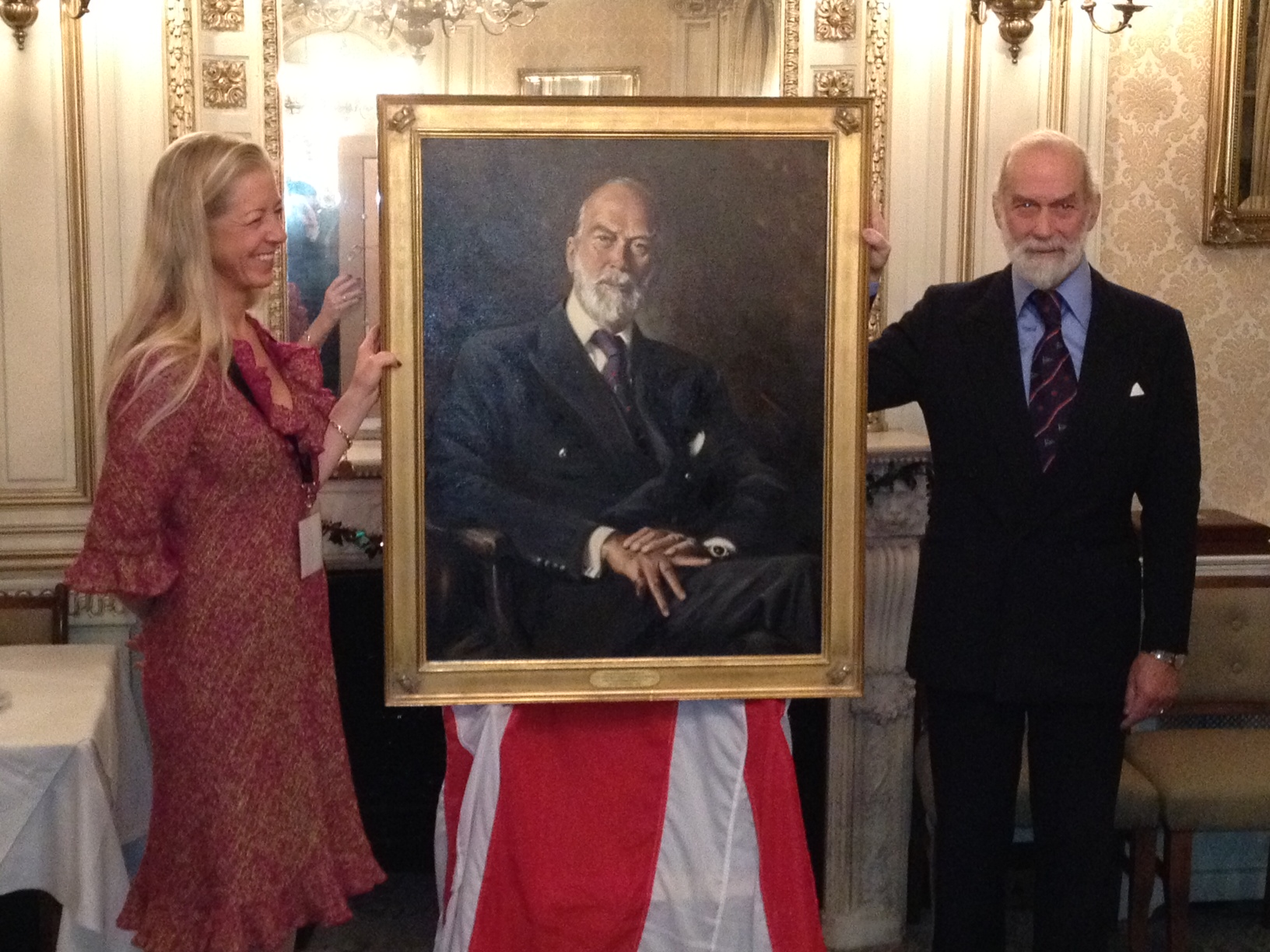 Unveiling Prince Michael to thh RNVR Dec 2011.JPG