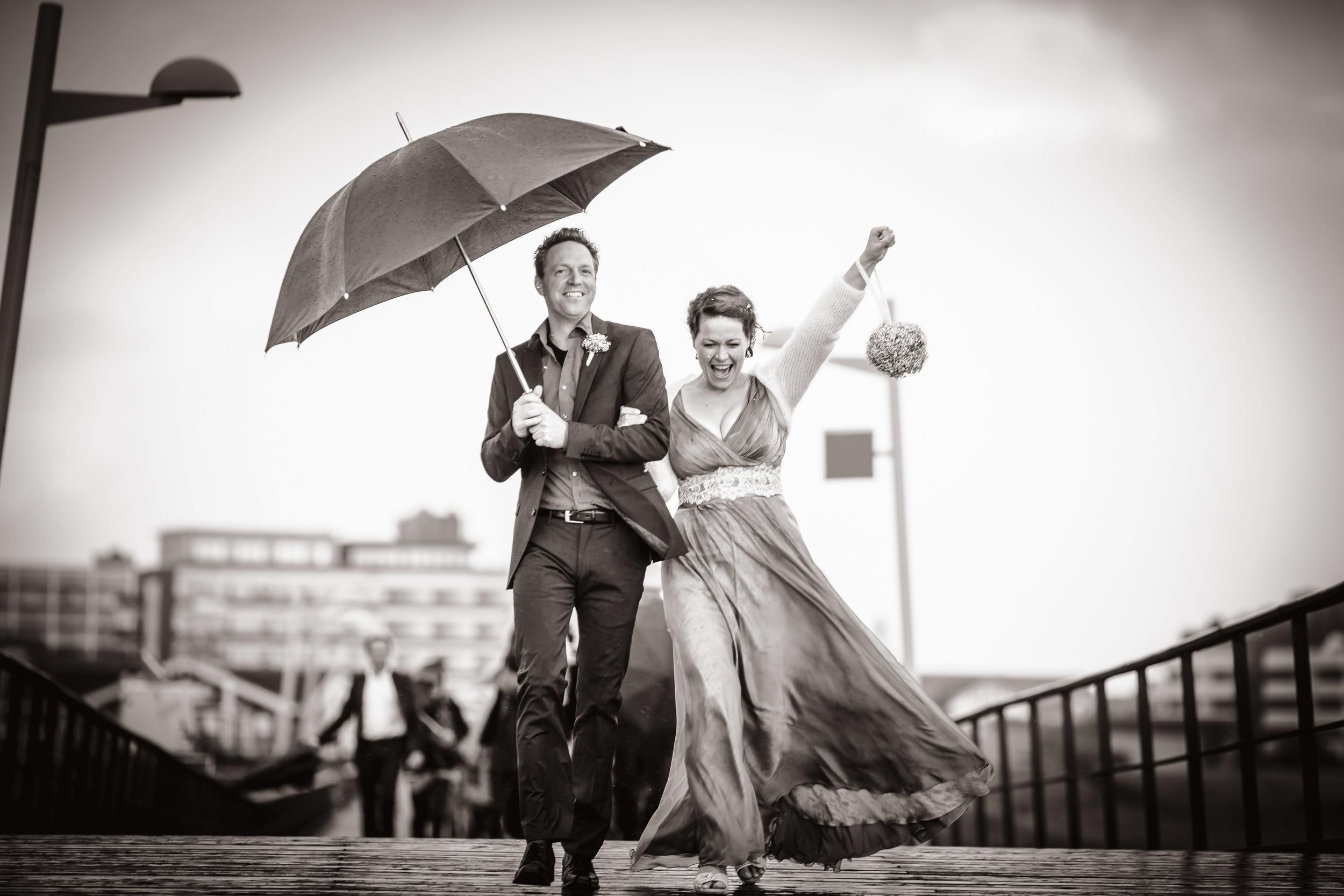 langes Hochzeitskleid aus Chiffon