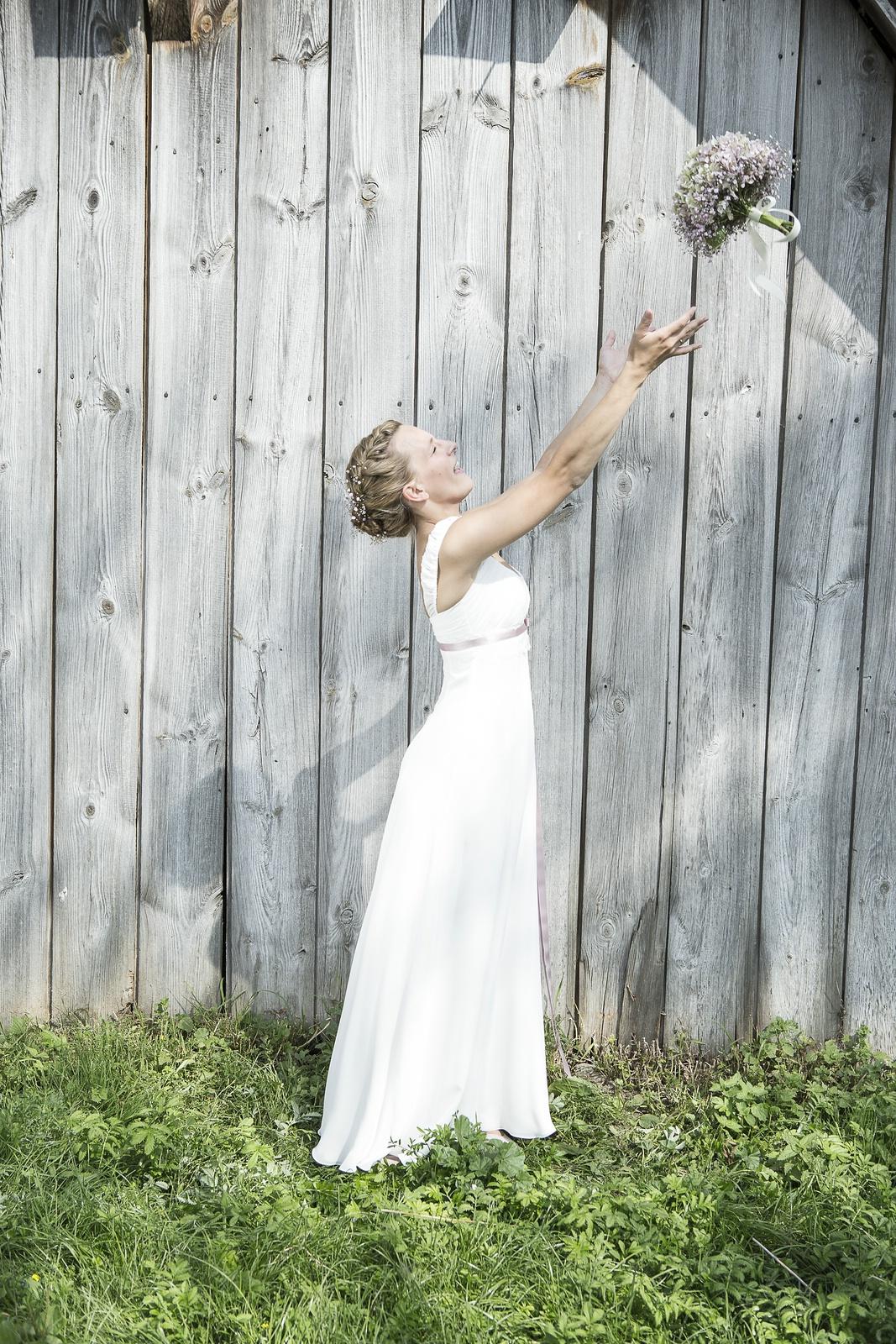 sommerliches Brautkleid
