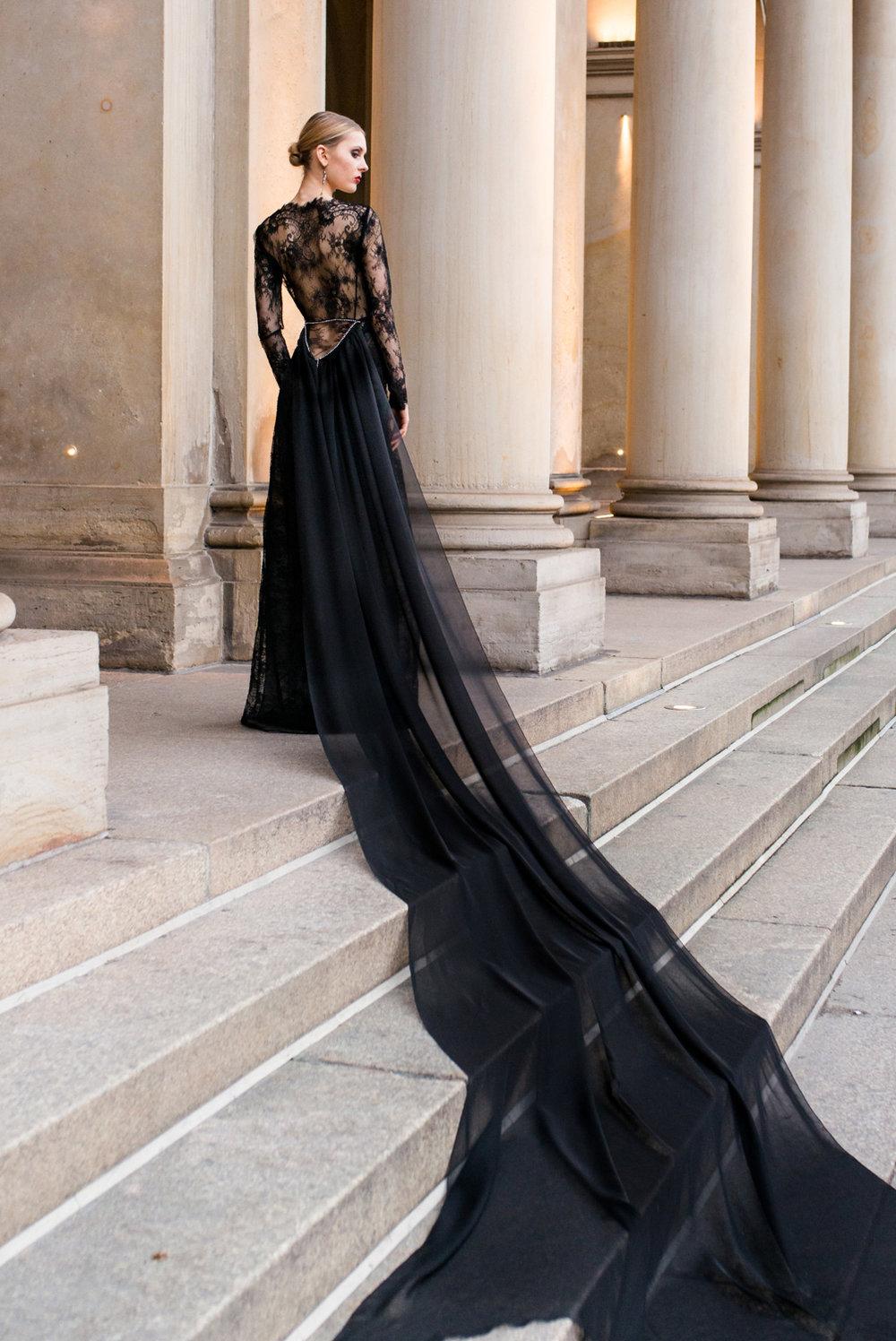 Extravagantes Haute Couture Abendkleid Juliana Torrox Hamburg Brautmode Hochzeitskleider Abendkleider