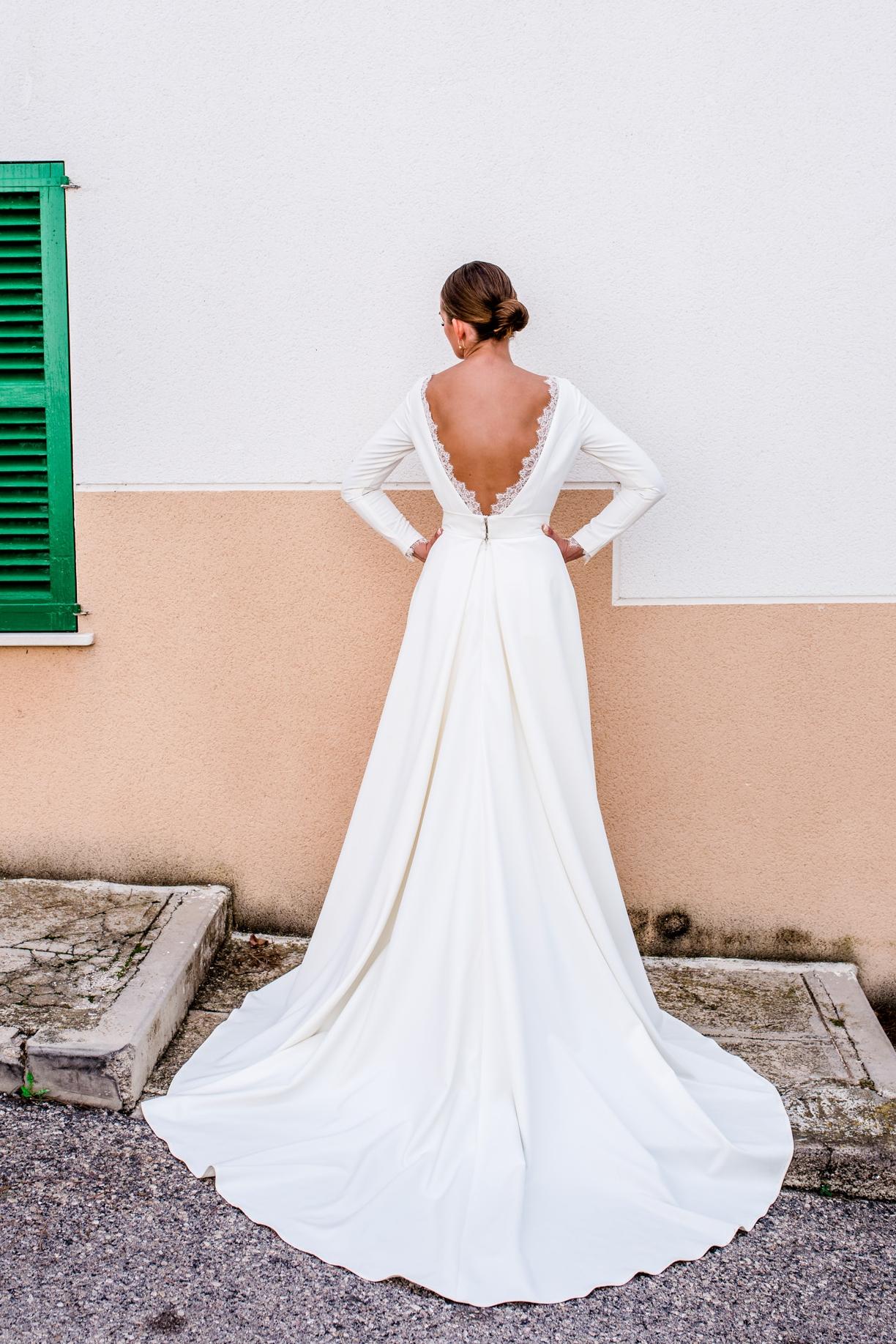 Lilou - Elegantes Brautkleid ohne Spitze — Torrox Hamburg