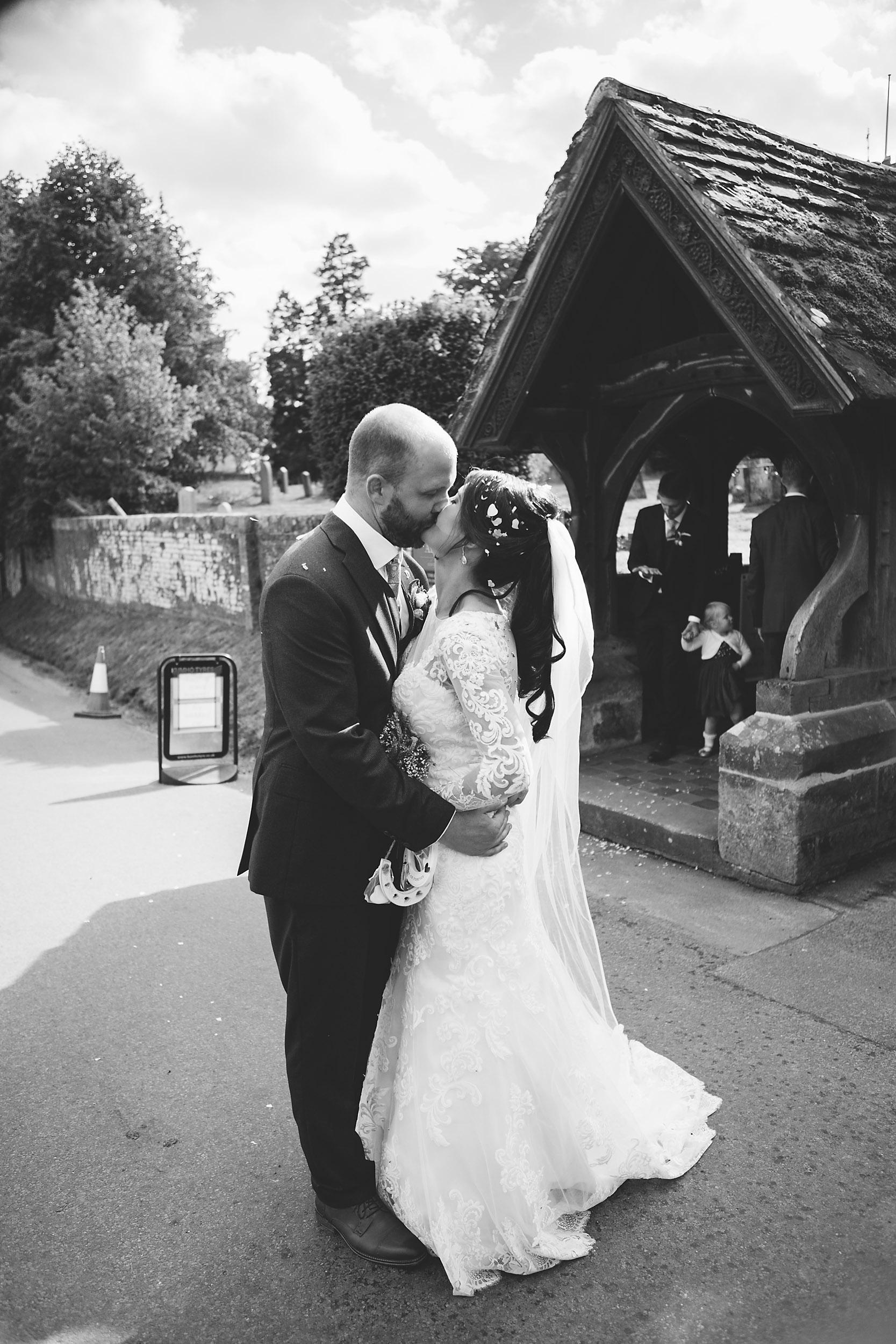 Relaxed Informal Wedding Photography B+L-037.jpg