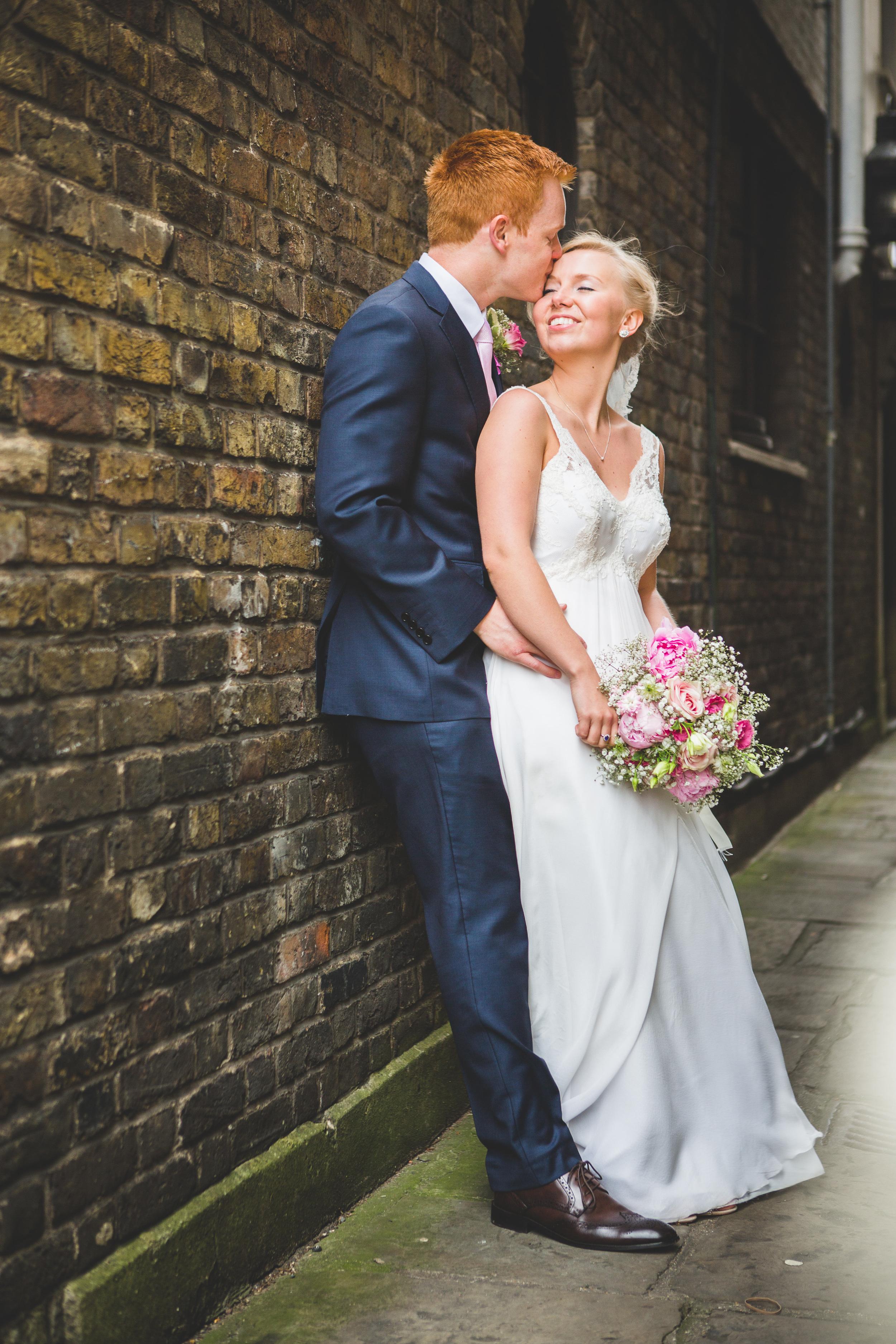 Sam+Ruth_London_Dickens_Inn044.jpg
