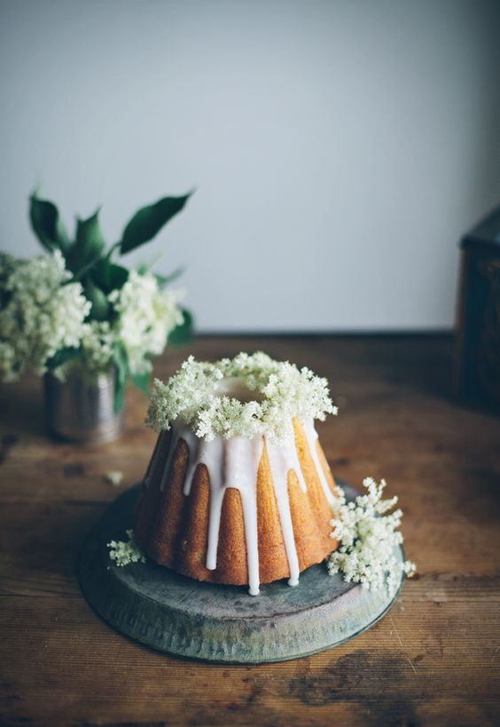 bundt cake wedding