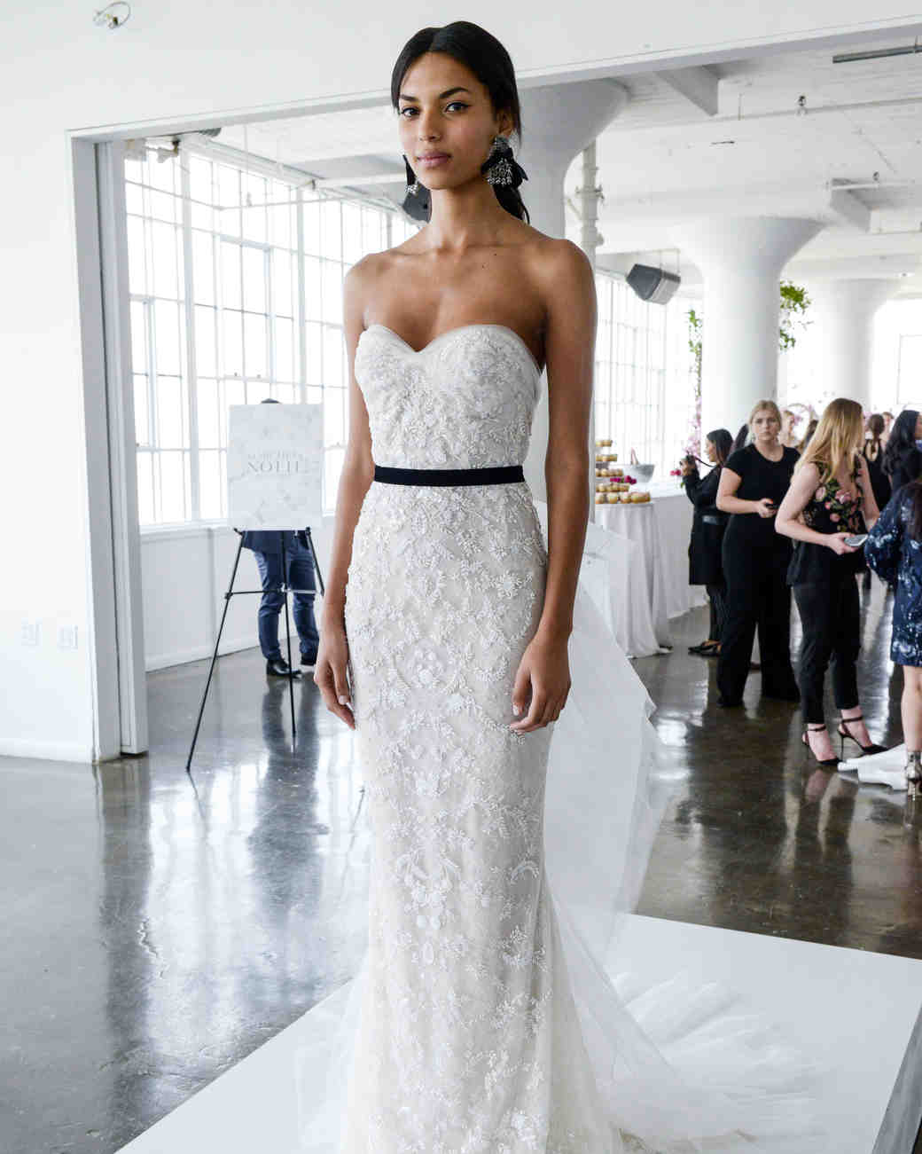 marchesa-couture-wedding-dress-spring2018-6339053-001_vert.jpg