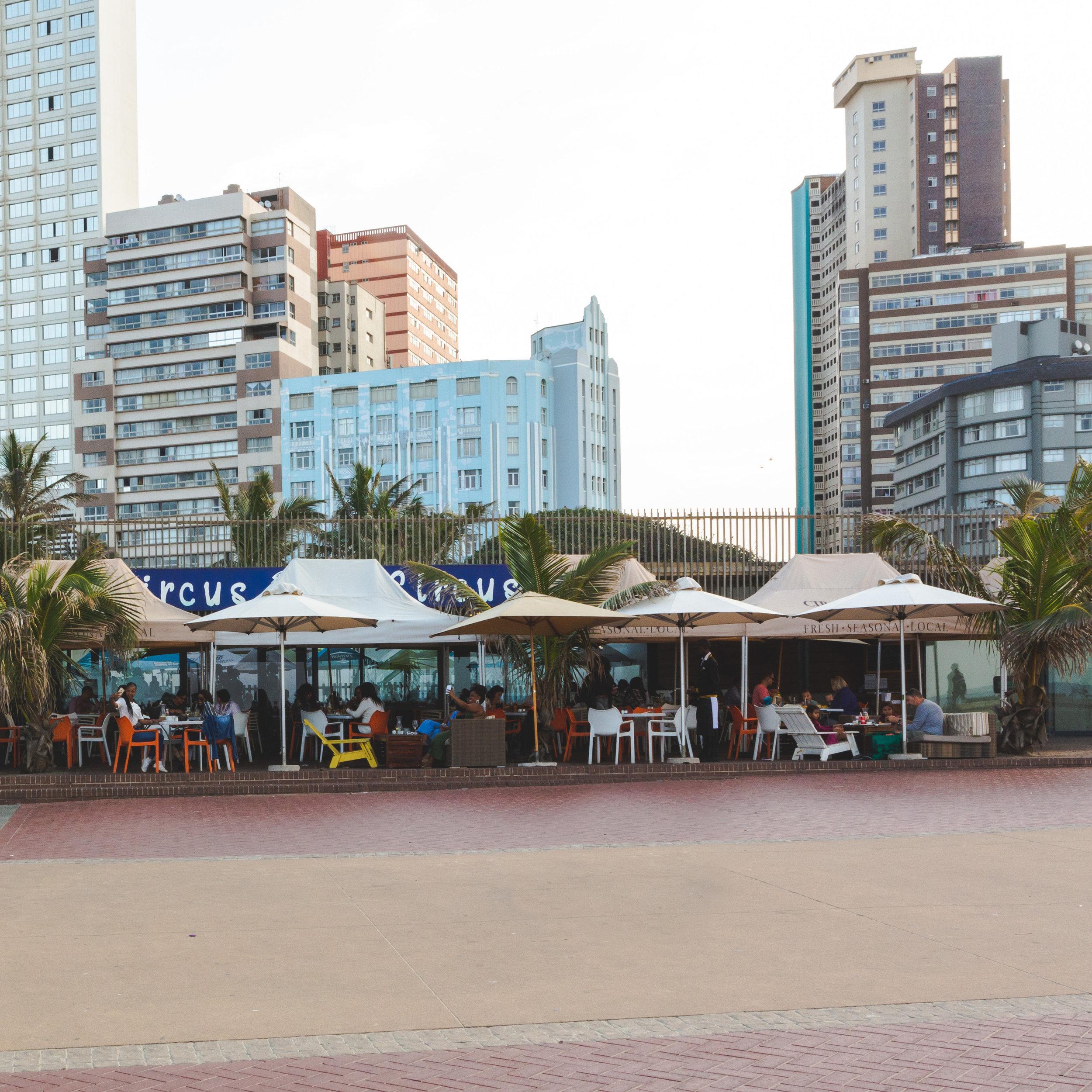 Circus Circus Beach Cafe
