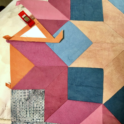 My last step was to attach the triangles, two per side. Those mini-clips sure come in handy!