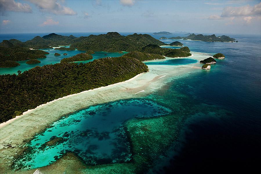 Oceans_WestPapua_100930_05944.jpg