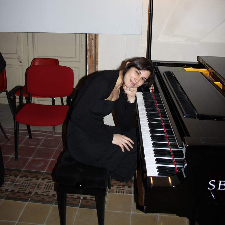 Laura: Piano Teacher in Clapham Junction, SW11, London
