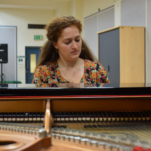 Sarah: Piano Teacher in Oxford Place, M14, Manchester, North West England