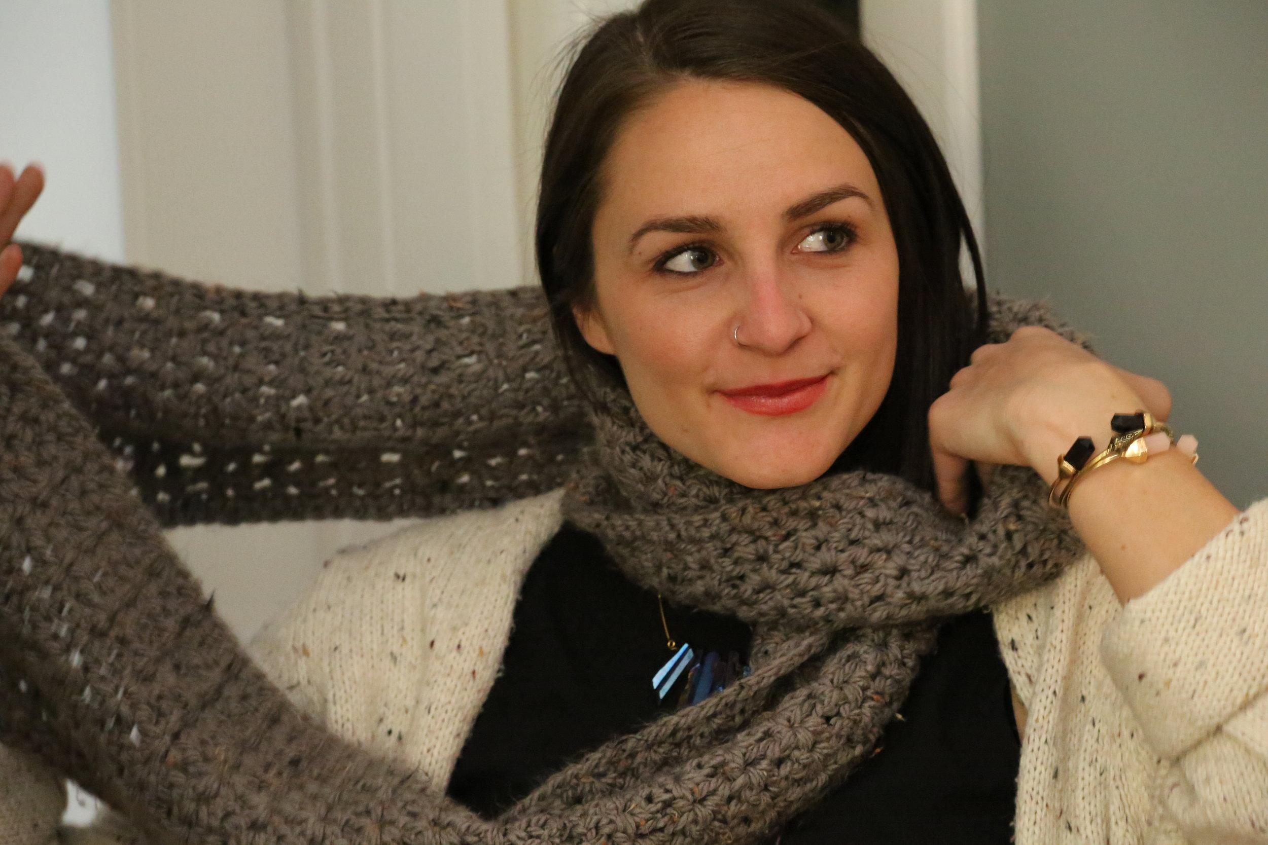 lisa knit scarf.jpg
