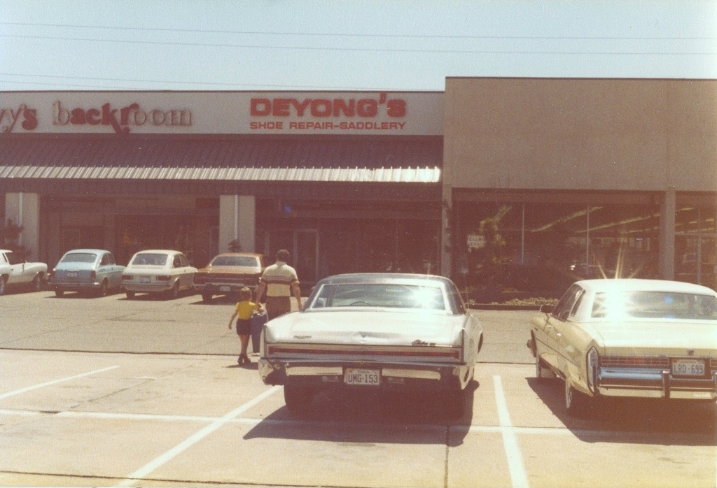 Deyong's Storefront - 2nd Location in Newmarket South Shopping Center