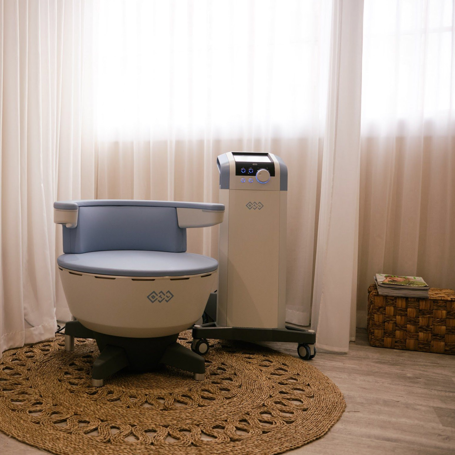 Intimate Health & Wellbeing Room - An additional Express Facial Bar to our ground floor area means we can perform even more of our signature and specialised facials including The Radiance and The Pollution Defense. Elsewhere, our Intimate Health & Wellbeing Room is home to the Kegel Throne. A medical and scientifically backed device that delivers 11,000 super≠charged Kegel exercises via electromagnetic currents in just 28 minutes. With no need to remove your clothes, each session can be enjoyed alongside an uplifting dose of LED light therapy.