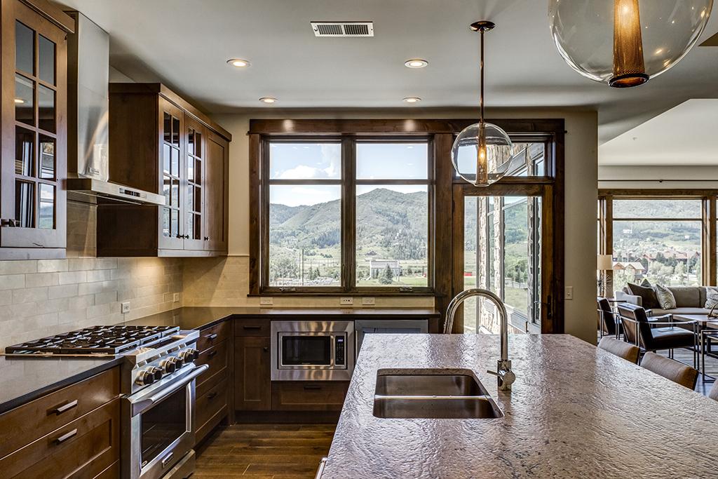 2. Kitchen5 72ppi.jpg