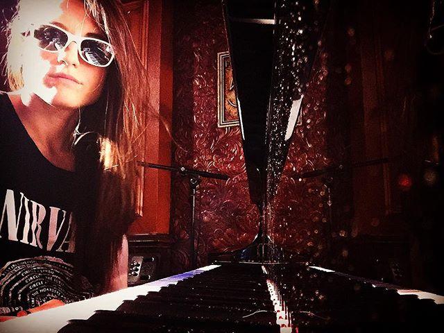 Soundchecking for #tonight @54below 🎹😎🎹 #piano #life #soundcheck #happypride #love #yolo #nirvana #newyork #blackandwhite #music #vocals #boom