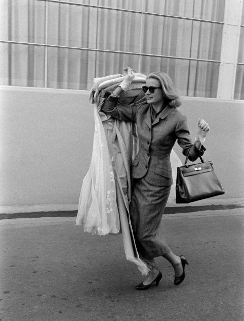 Grace Kelly carrying ' Sac à Dépêches'