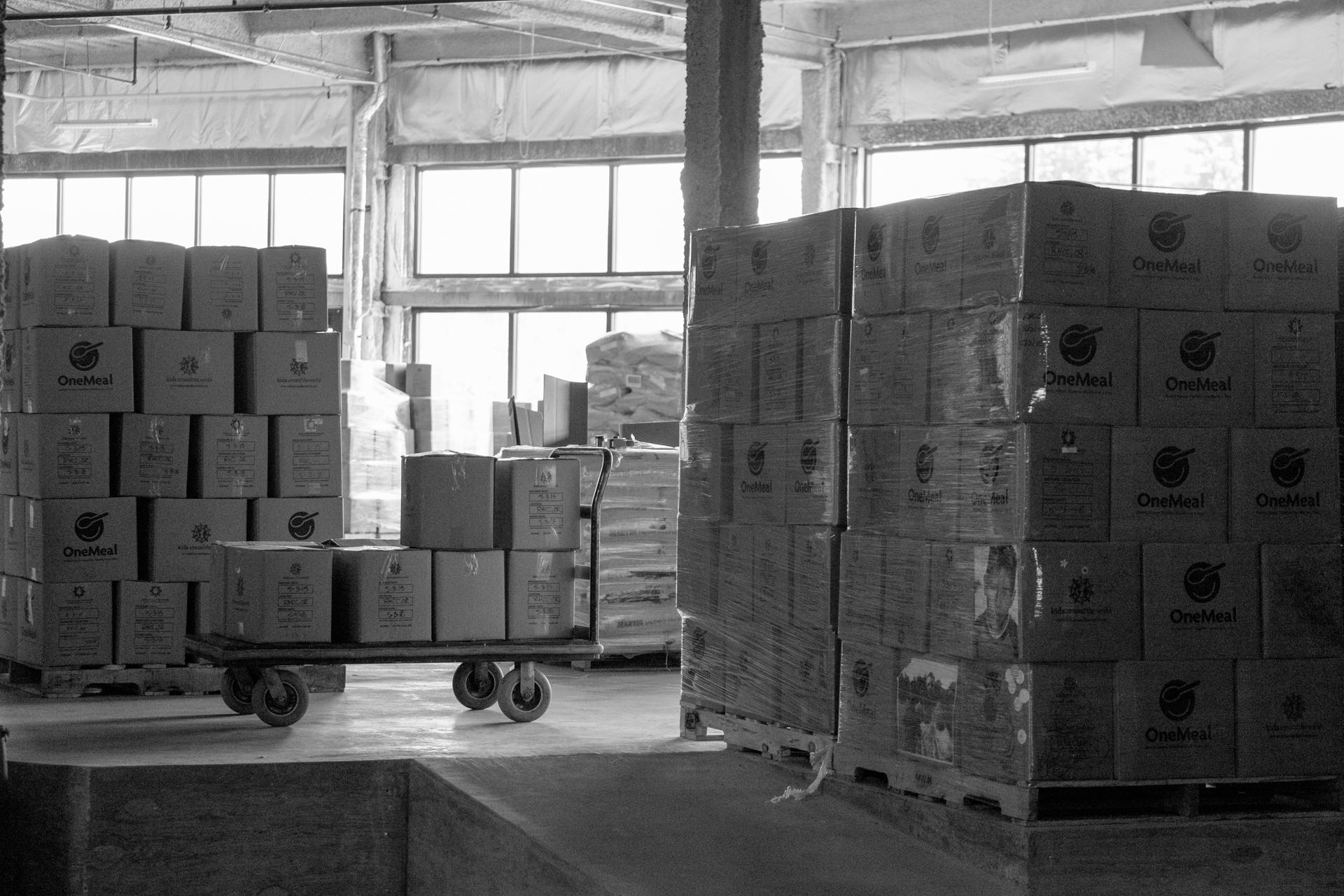 Humanitarian-food-packing-17.jpg