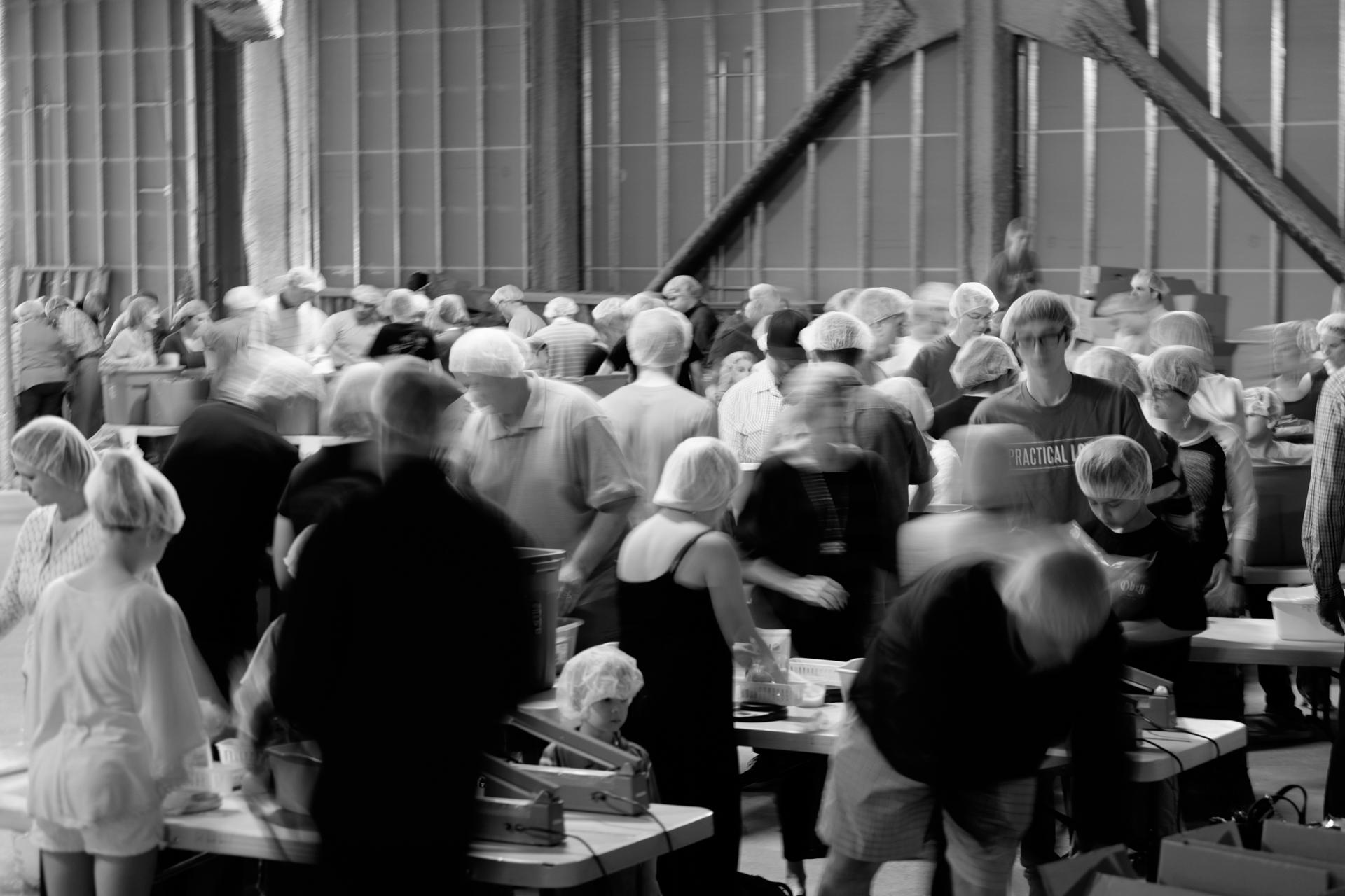 Humanitarian-food-packing-12.jpg