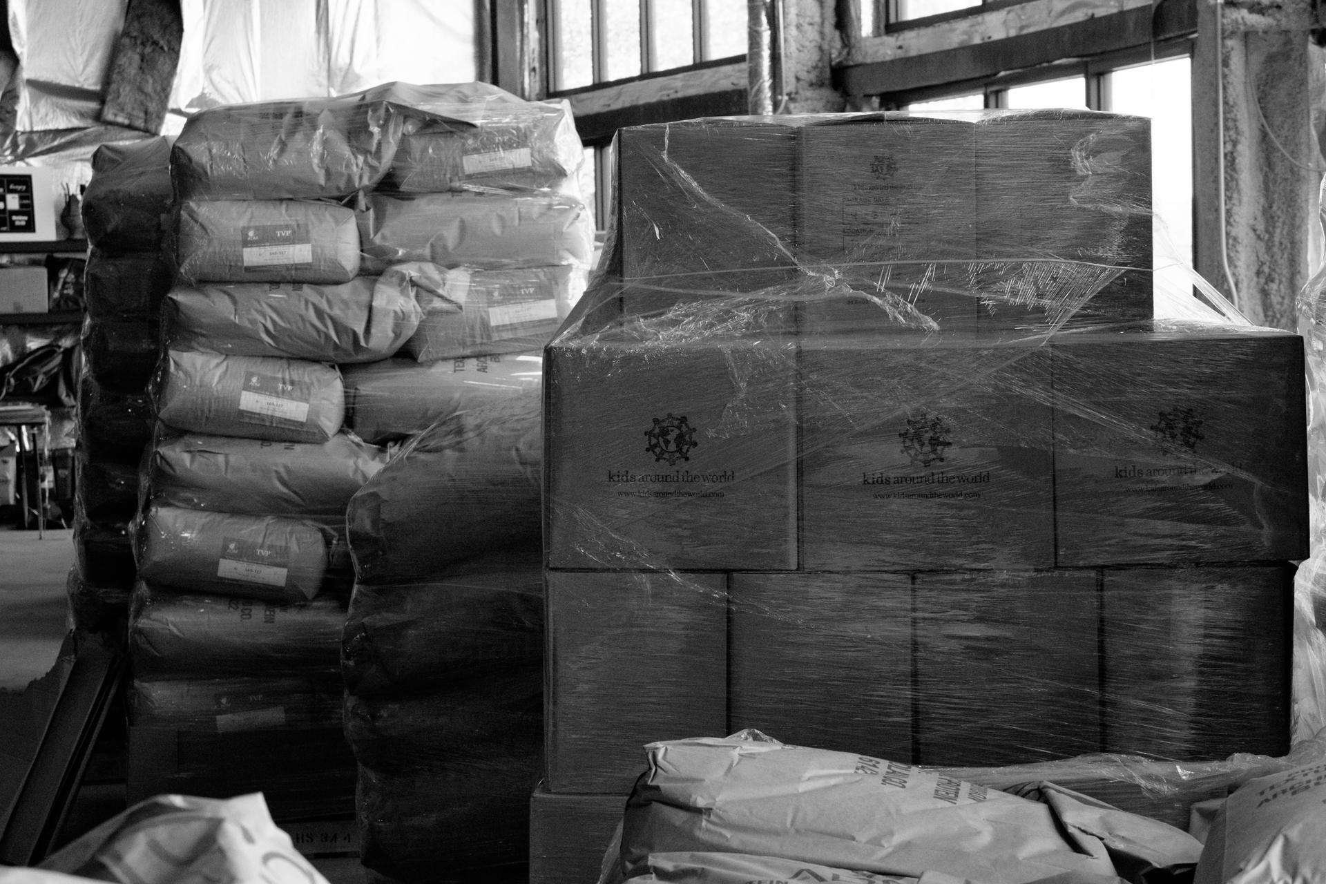 Humanitarian-food-packing-19.jpg