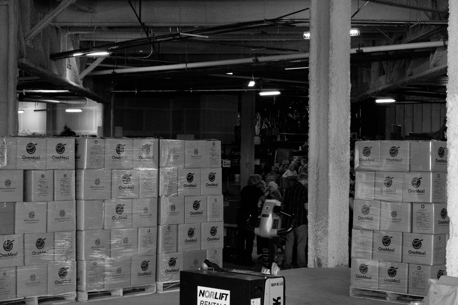 Humanitarian-food-packing-20.jpg