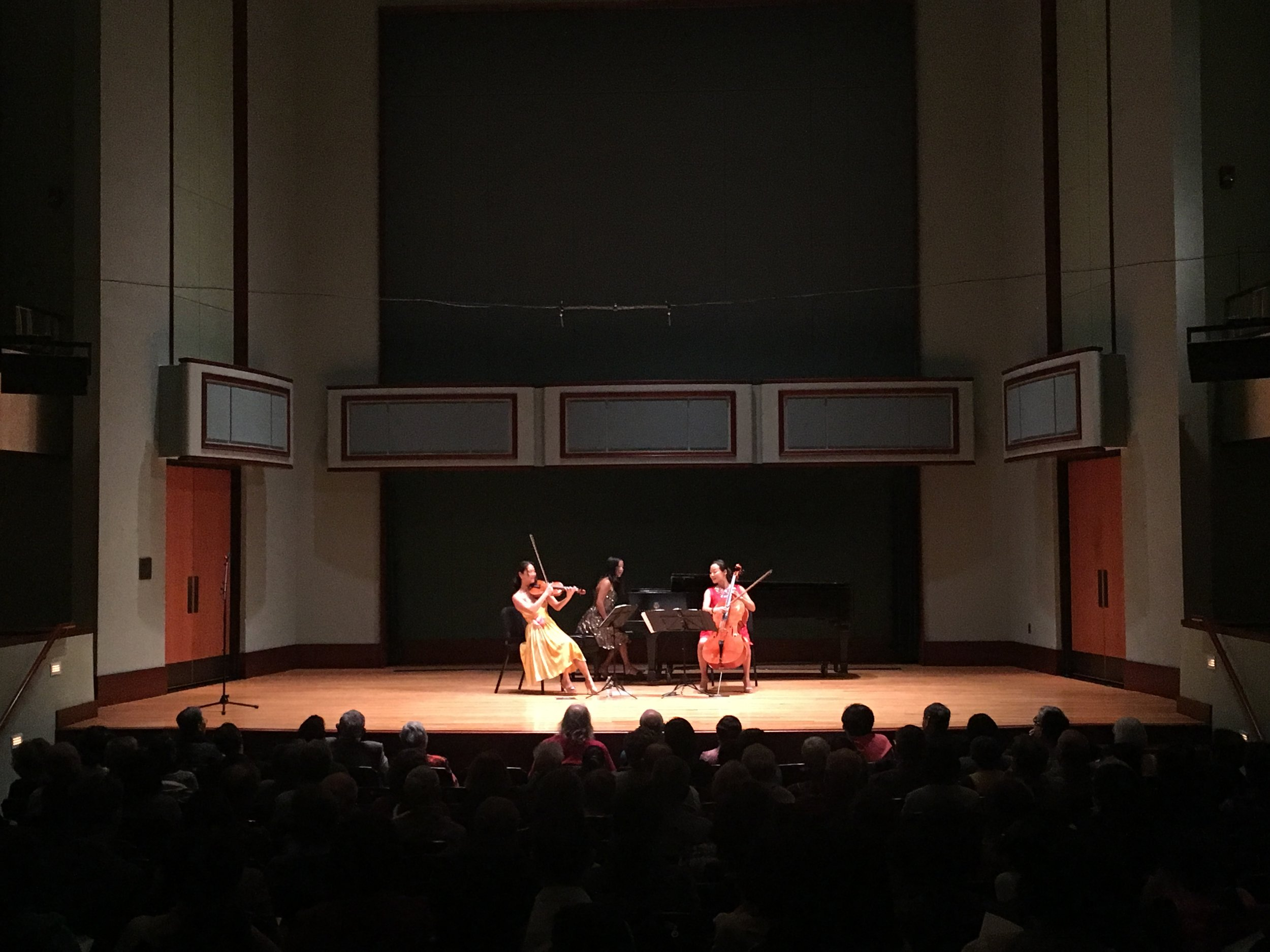 Ahn Trio had so much fun playing for you University of Delaware! Thank you Korean American Association of Delaware, too and the students who played for us! See you again soon!