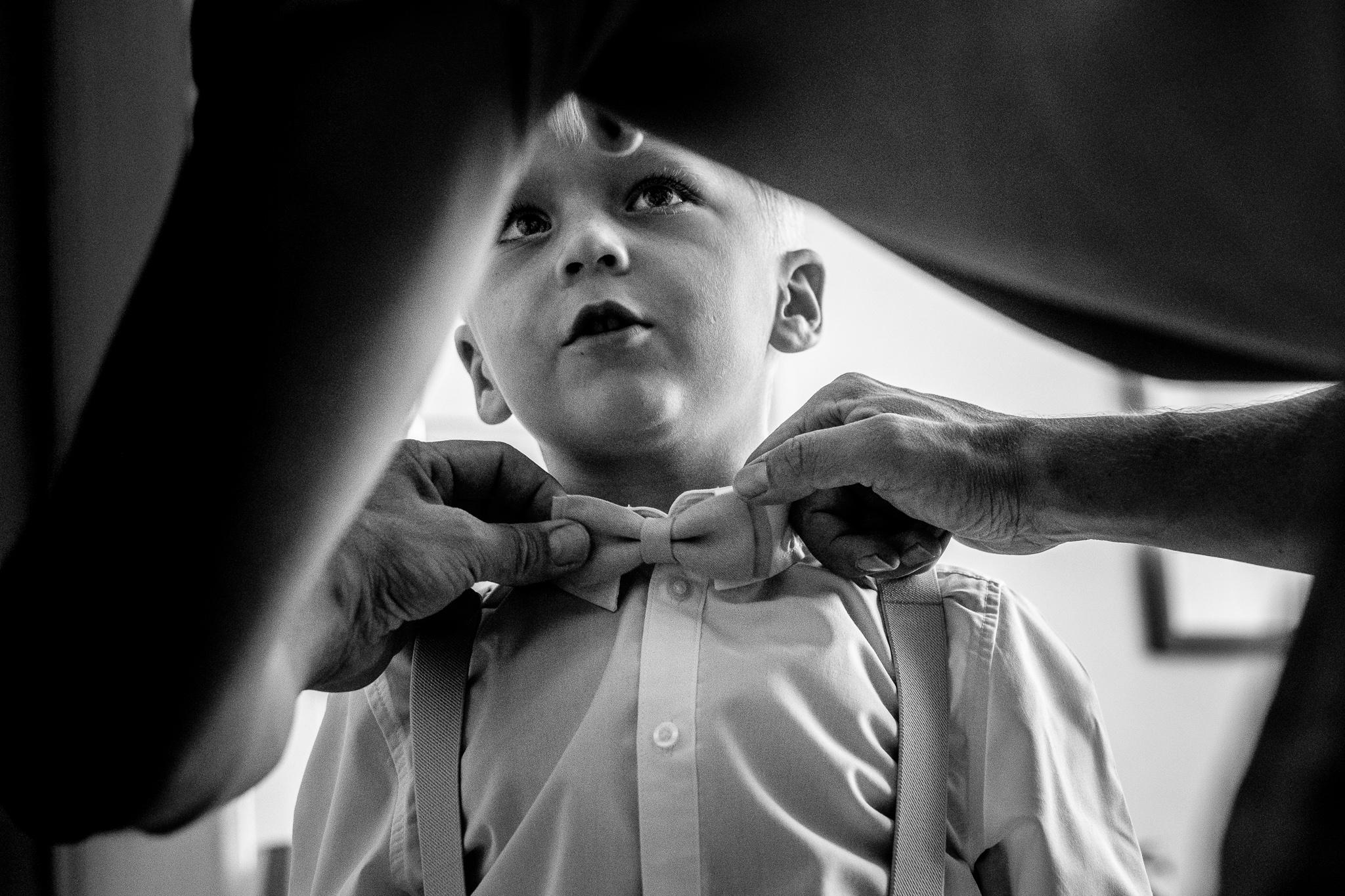 Journalistieke bruidsfotografie voorbereiden kinderen
