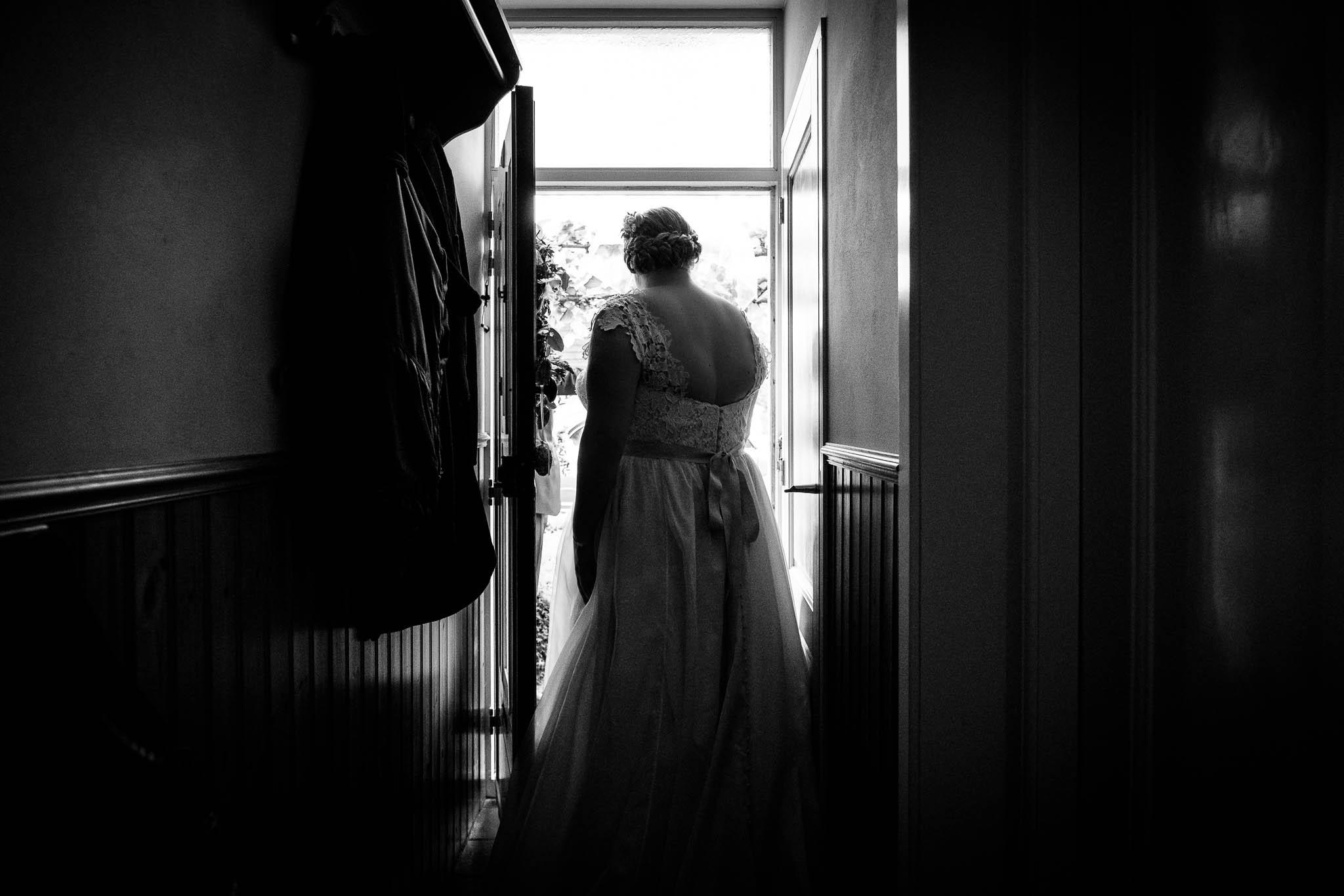 Ontmoeting bruidspaar aan de deur
