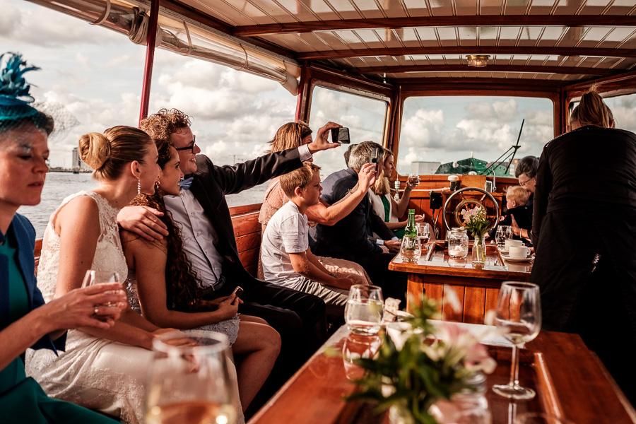 Bruidspaar gracht Amsterdam