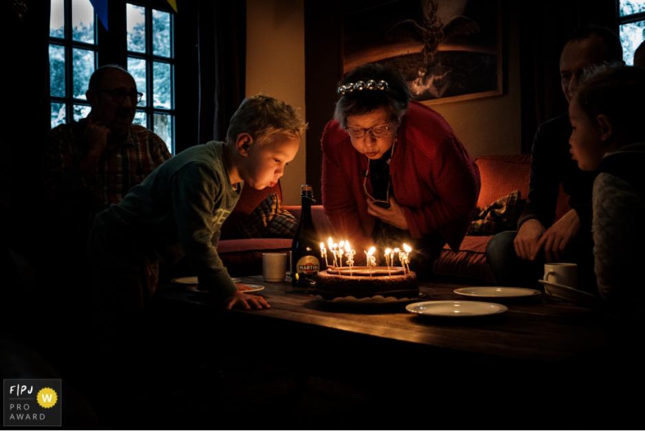 Mitzy: Internationaal. Family photojournalist association award (4 of 4 judges)