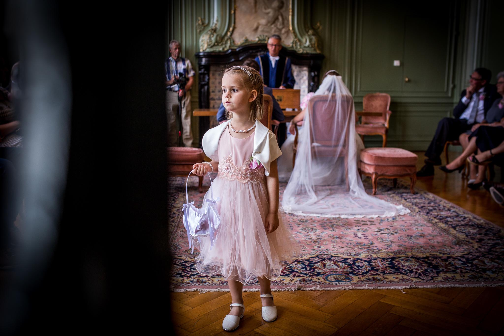 Bruidsmeisje in het stadhuis van Goes