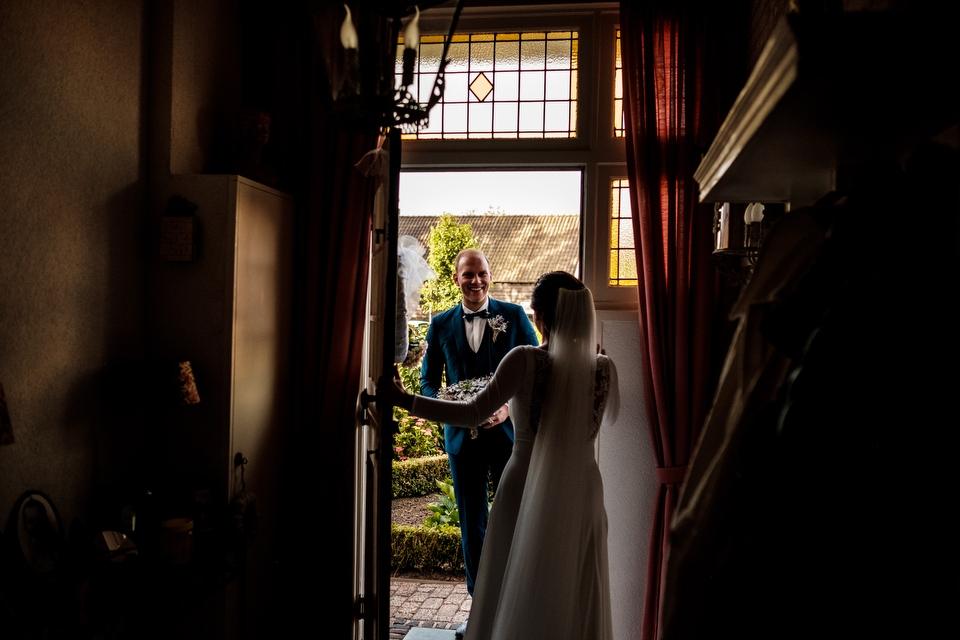 Ontmoeting bruidspaar | Zeeuwse bruiloft bij Slot Moermond in Renesse