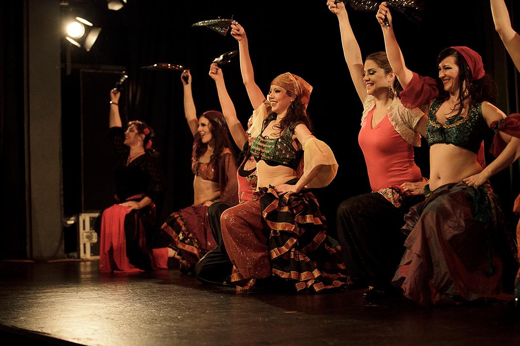 Dabke performed by the Oriental Divas Photo:Roland Soldi