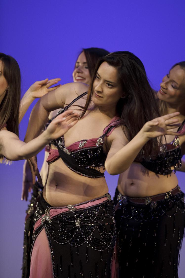 ZeoT show group Najma. Photo: Roland Soldi