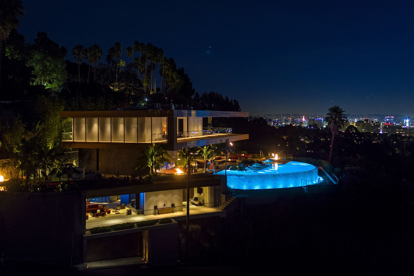 Los Angeles Times - Hollywood Hills spec mansion with interiors by Lenny Kravitz seeks $38 million