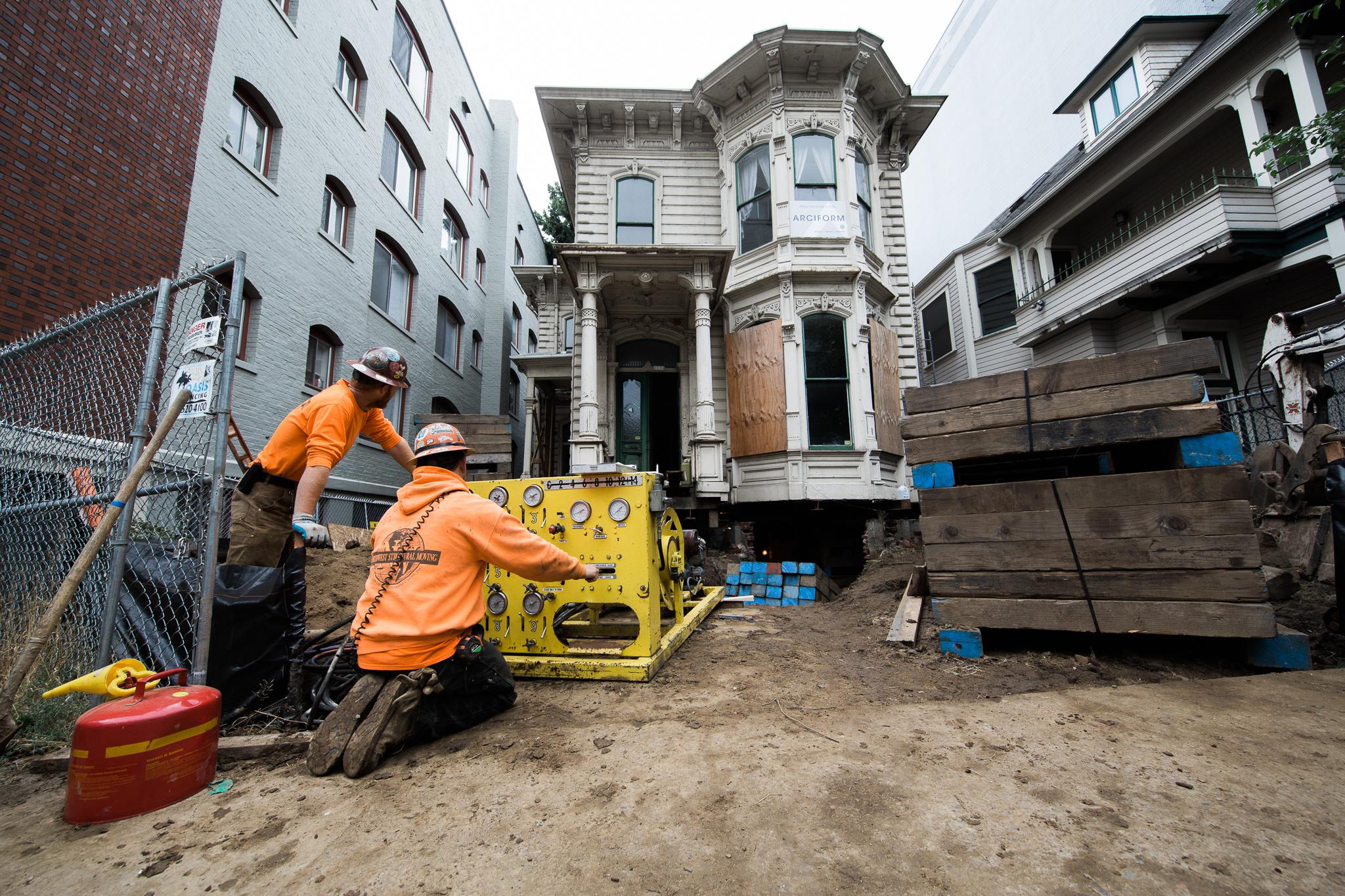 Lifting Morris_MM House 24.jpg